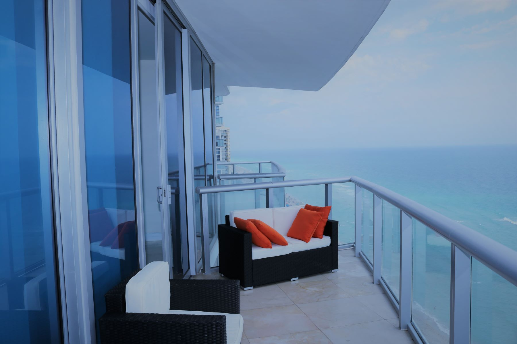 شقة بعمارة للـ Rent في 17001 Collins Ave 17001 Collins Ave 2106, Sunny Isles Beach, Florida, 33160 United States