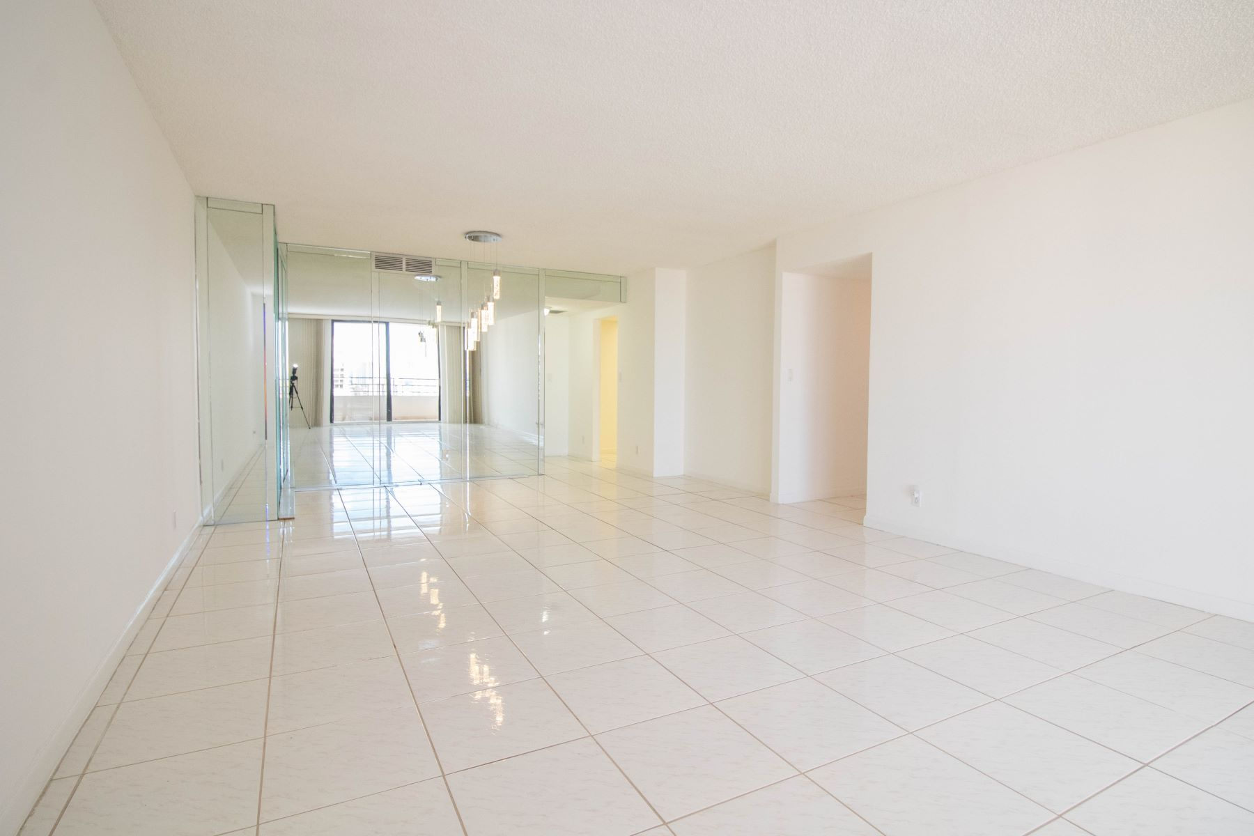 Condominiums for Sale at 2500 Parkview Dr 1816, Hallandale, Florida 33009 United States