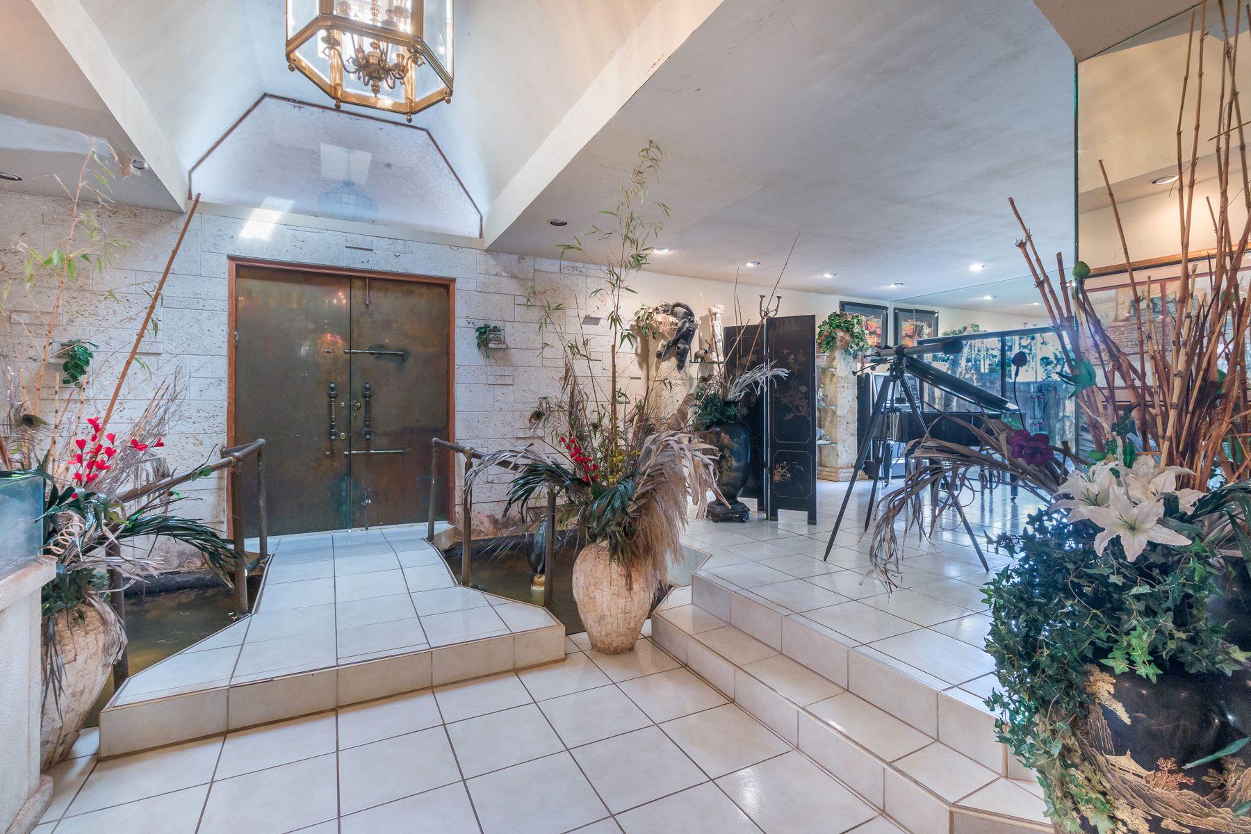 واحد منزل الأسرة للـ Sale في 460 Ne 154th St Miami, Florida, 33162 United States