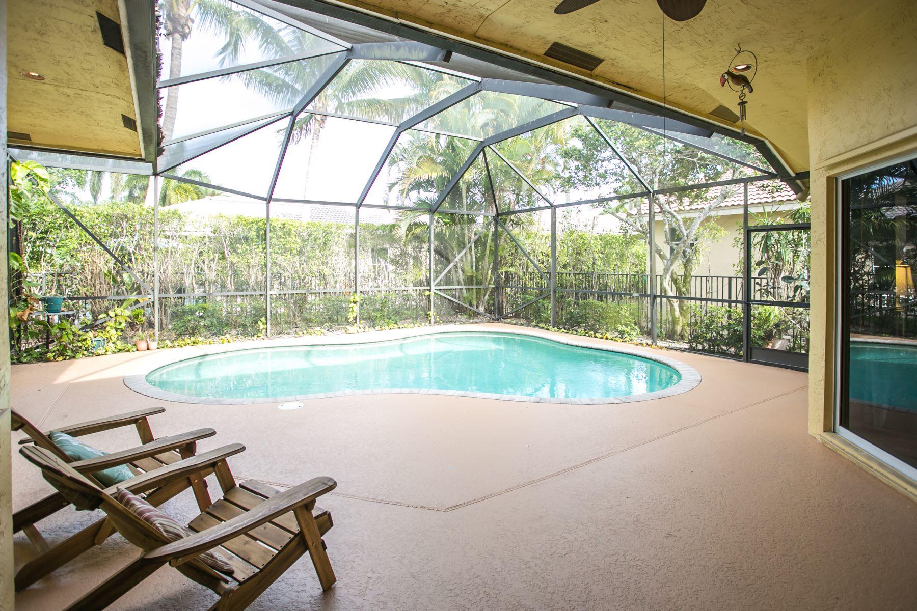 Single Family Homes for Active at 3764 Oak Ridge Cir Weston, Florida 33331 United States