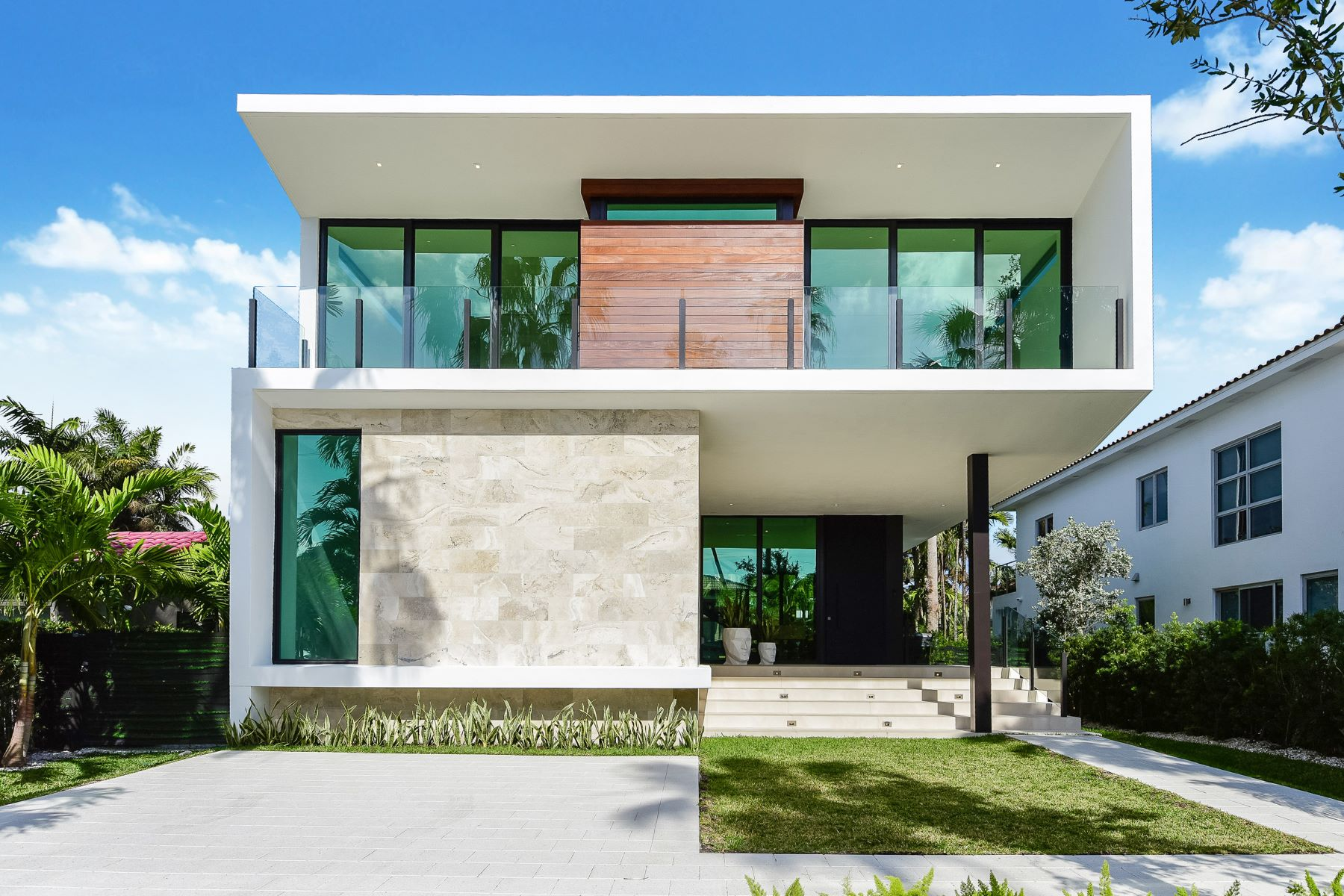 Villa per Affitto alle ore 247 Palm Ave 247 Palm Ave Miami Beach, Florida 33139 Stati Uniti