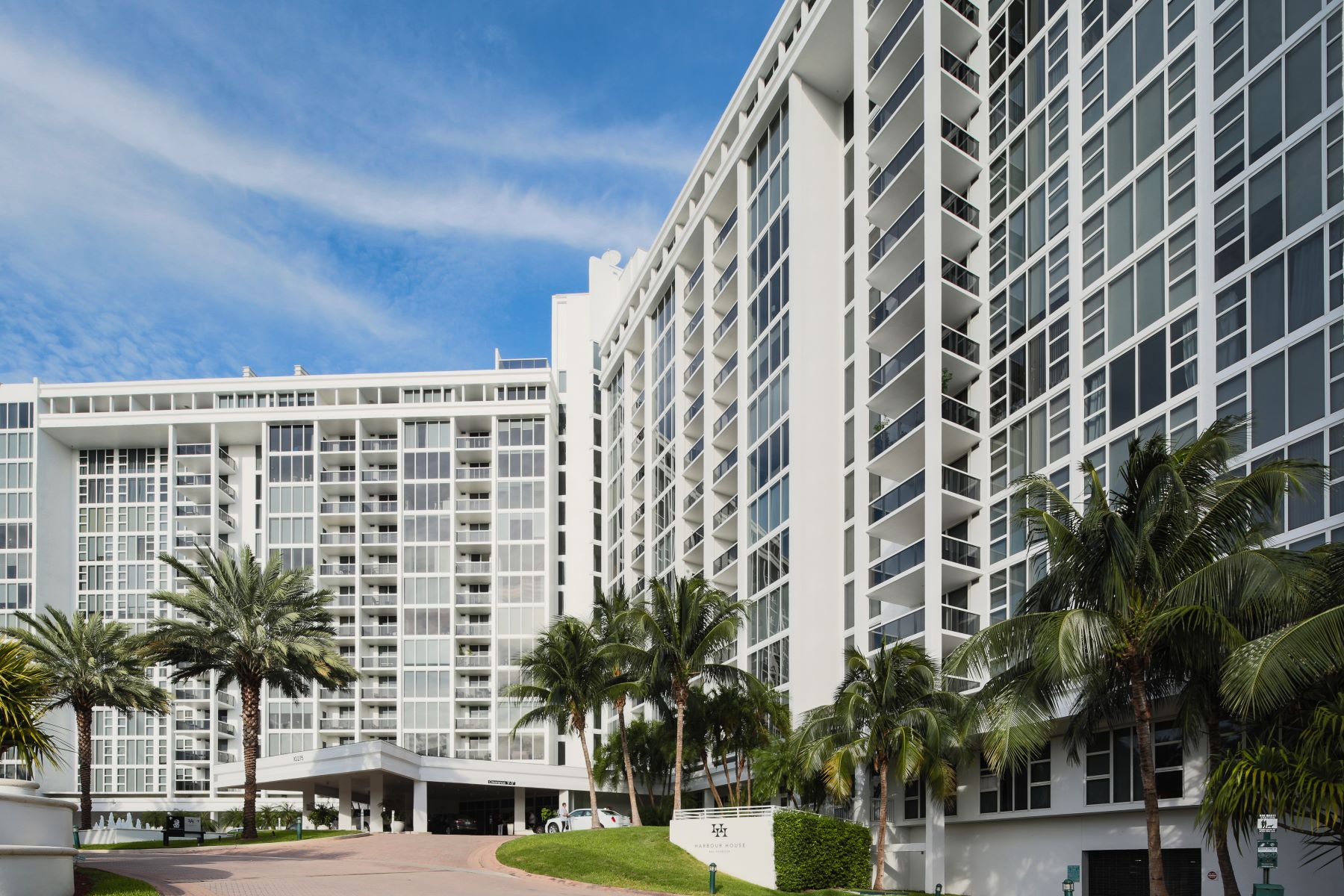 10275 Collins Ave #616 10275 Collins Ave 616 Bal Harbour, Florida 33154 United States