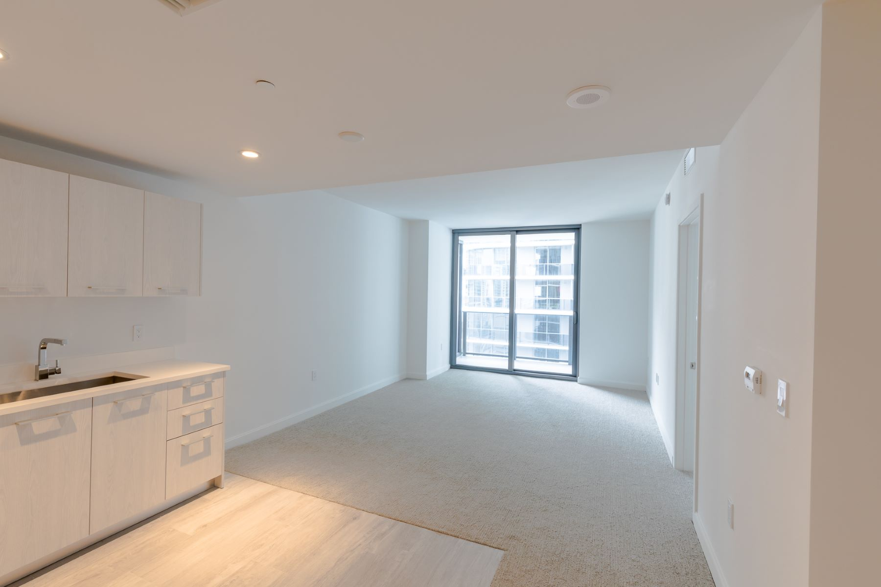 Additional photo for property listing at 45 Sw 9th Street 45 Sw9th Street 2207 Miami, Florida 33130 United States