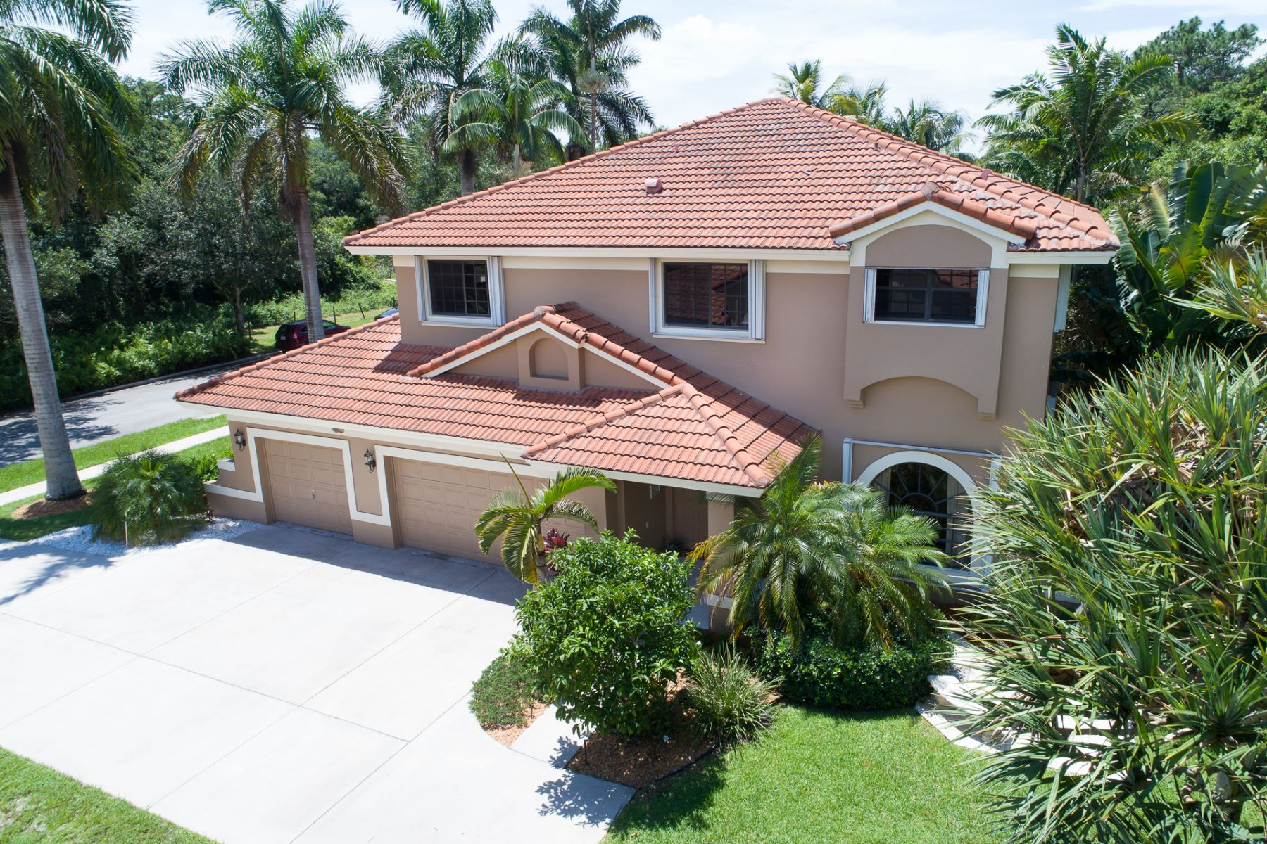 Single Family Home for Sale at 2991 Hidden Hollow Ln Davie, Florida 33328 United States