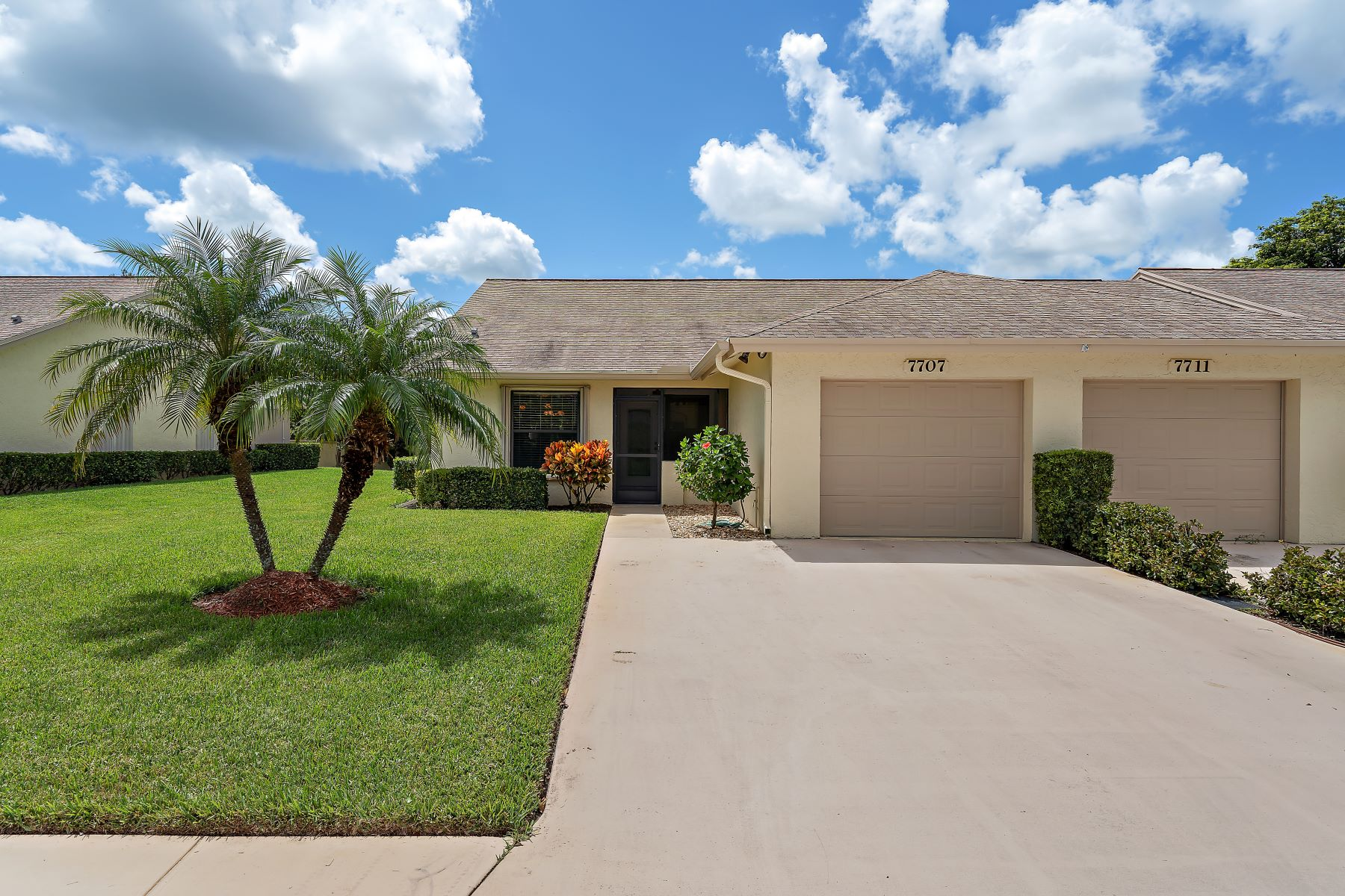 Condominiums for Active at 7707 Se Sugar Sand Circle Hobe Sound, Florida 33455 United States