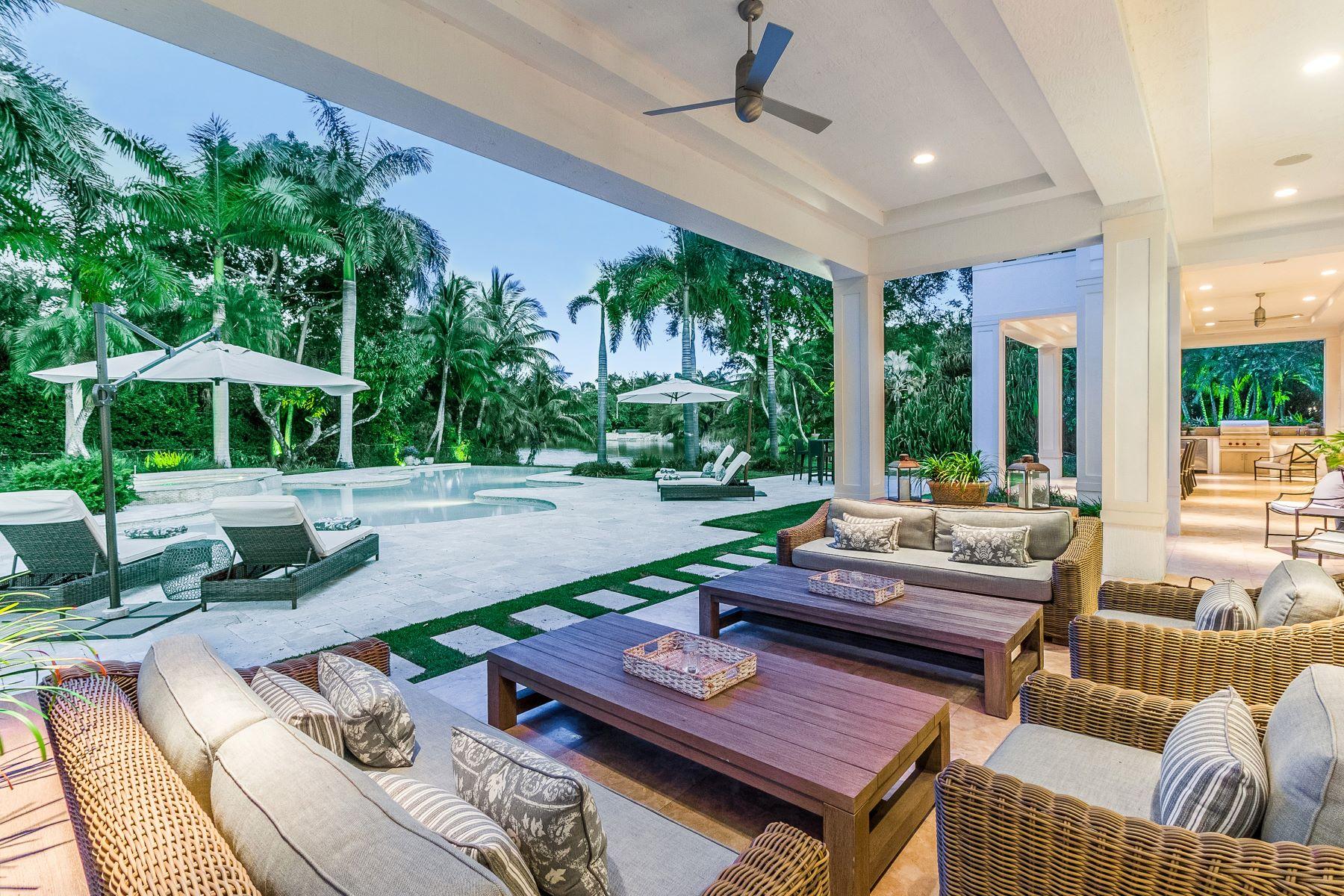 Single Family Homes por un Venta en 9001 Banyan Dr Miami, Florida 33156 Estados Unidos