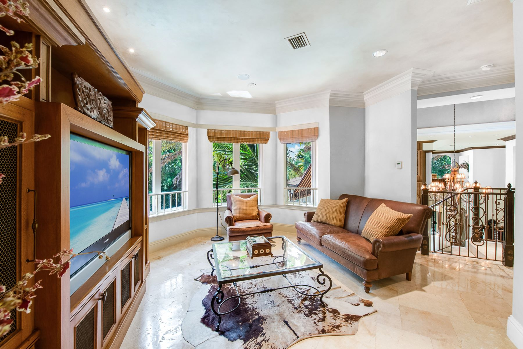 Additional photo for property listing at 10801 Sw 69th Ave 10801 Sw 69th Ave Miami, Florida 33156 United States