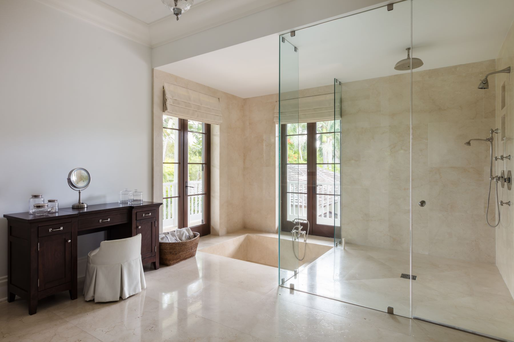 Additional photo for property listing at 700 Casuarina Concourse Coral Gables, Florida 33143 United States