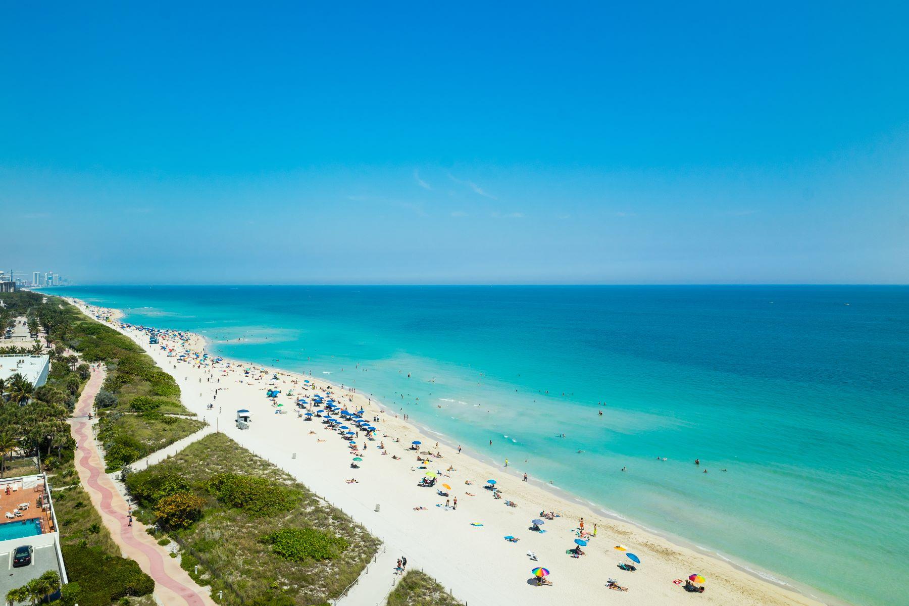 Condomínio para Venda às 6901 Collins Av #1101 6901 Collins Av 1101 Miami Beach, Florida, 33141 Estados Unidos