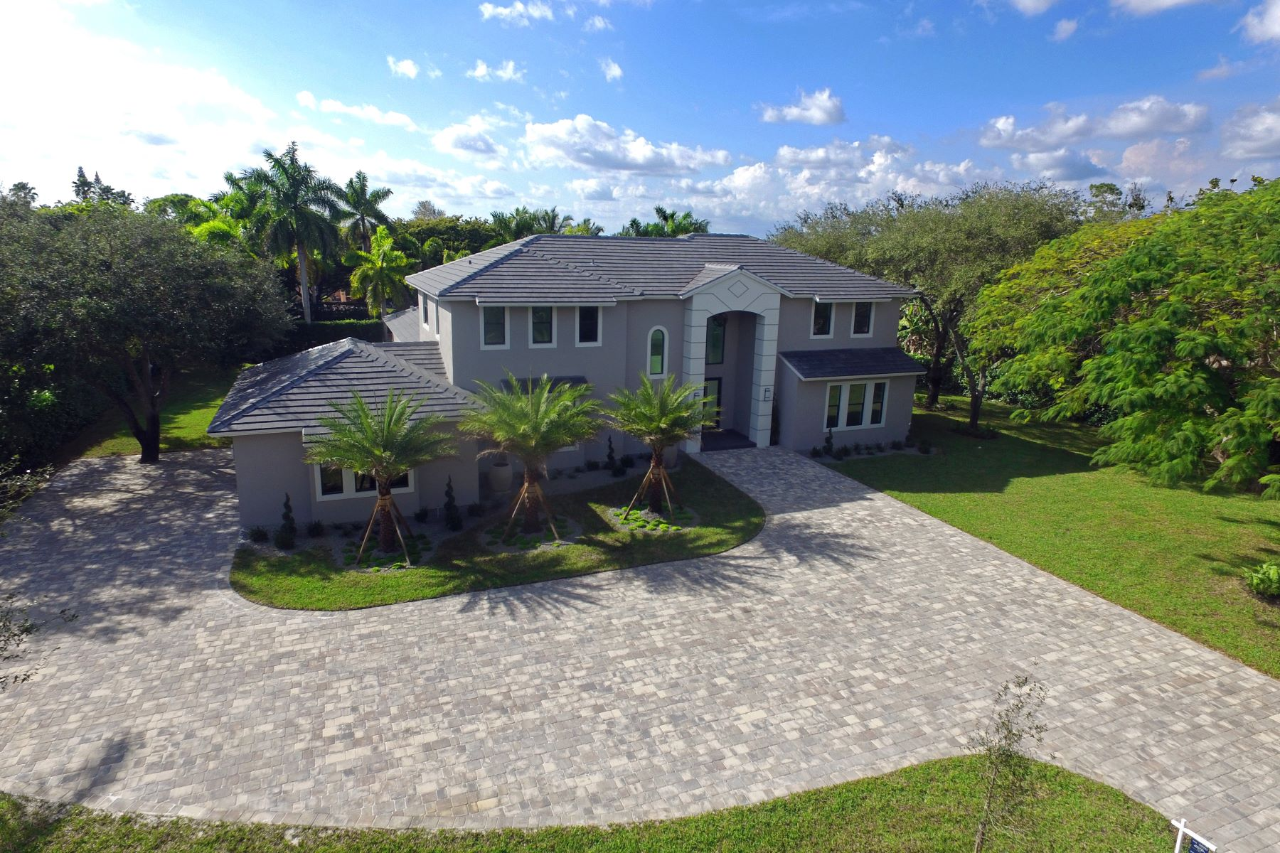 sales property at 9500 Sw 94 Ct