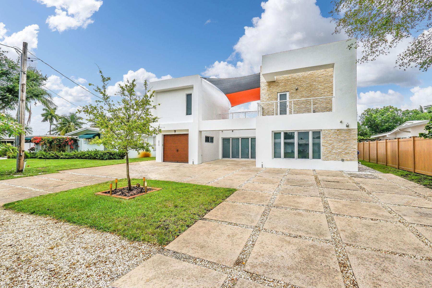 獨棟家庭住宅 為 出售 在 2612 Key Largo Ln Fort Lauderdale, 佛羅里達州, 33312 美國
