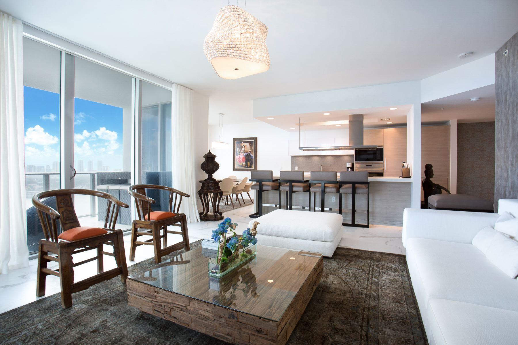 Appartement en copropriété pour l Vente à 17301 Biscayne Blvd #2310 17301 Biscayne Blvd 2310 North Miami Beach, Florida 33160 États-Unis