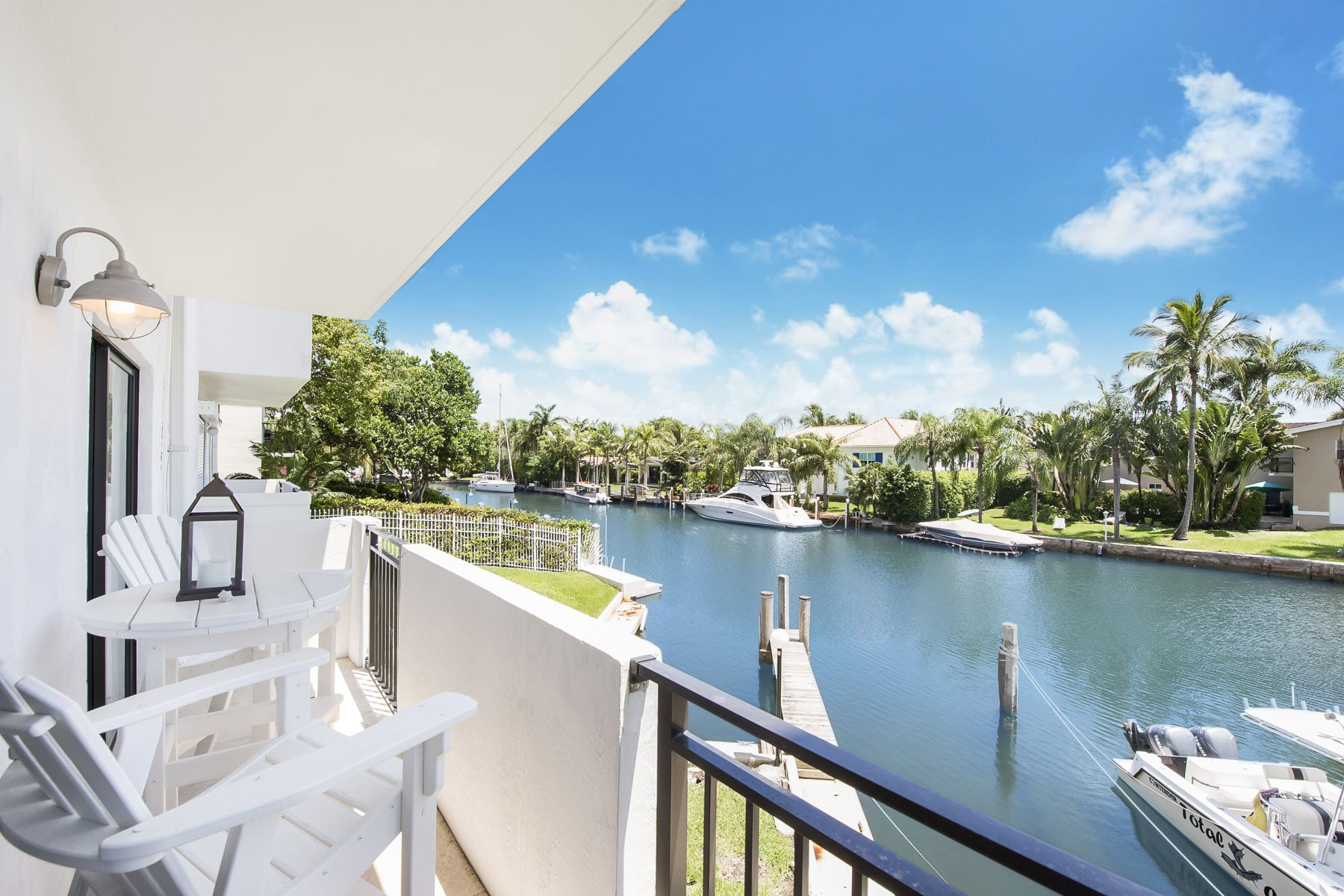 Condominium for Rent at 6901 Edgewater Dr 6901 Edgewater Dr 211 Coral Gables, Florida 33133 United States