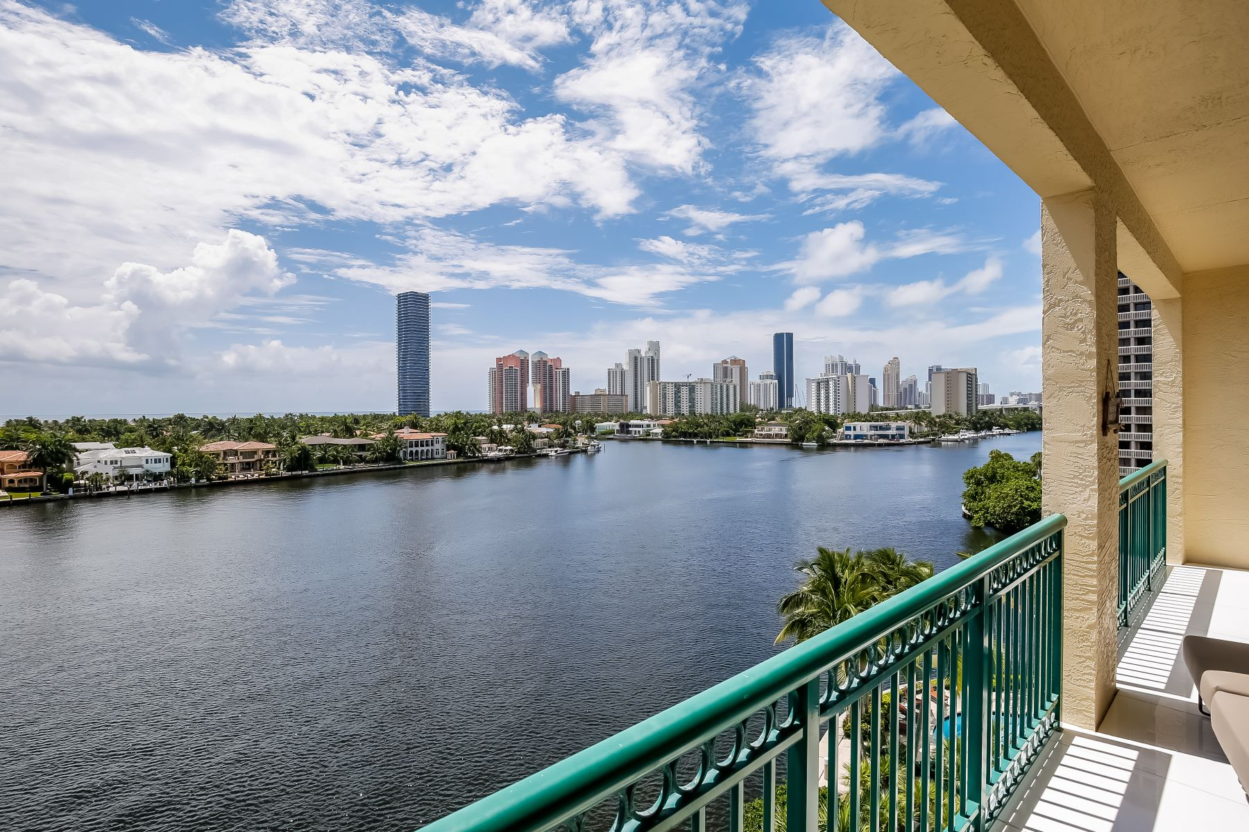 Condominium for Sale at 19925 Ne 39th Pl 19925 Ne 39th Pl 602 Aventura, Florida 33180 United States
