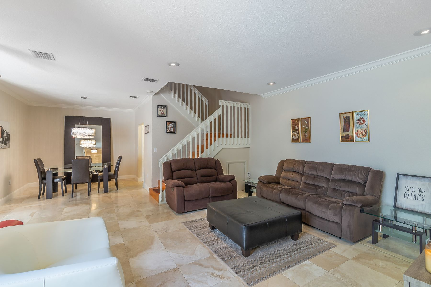 Townhouse for Sale at 1125 Buttonwood Ln 1125 Buttonwood Ln Hollywood, Florida 33019 United States