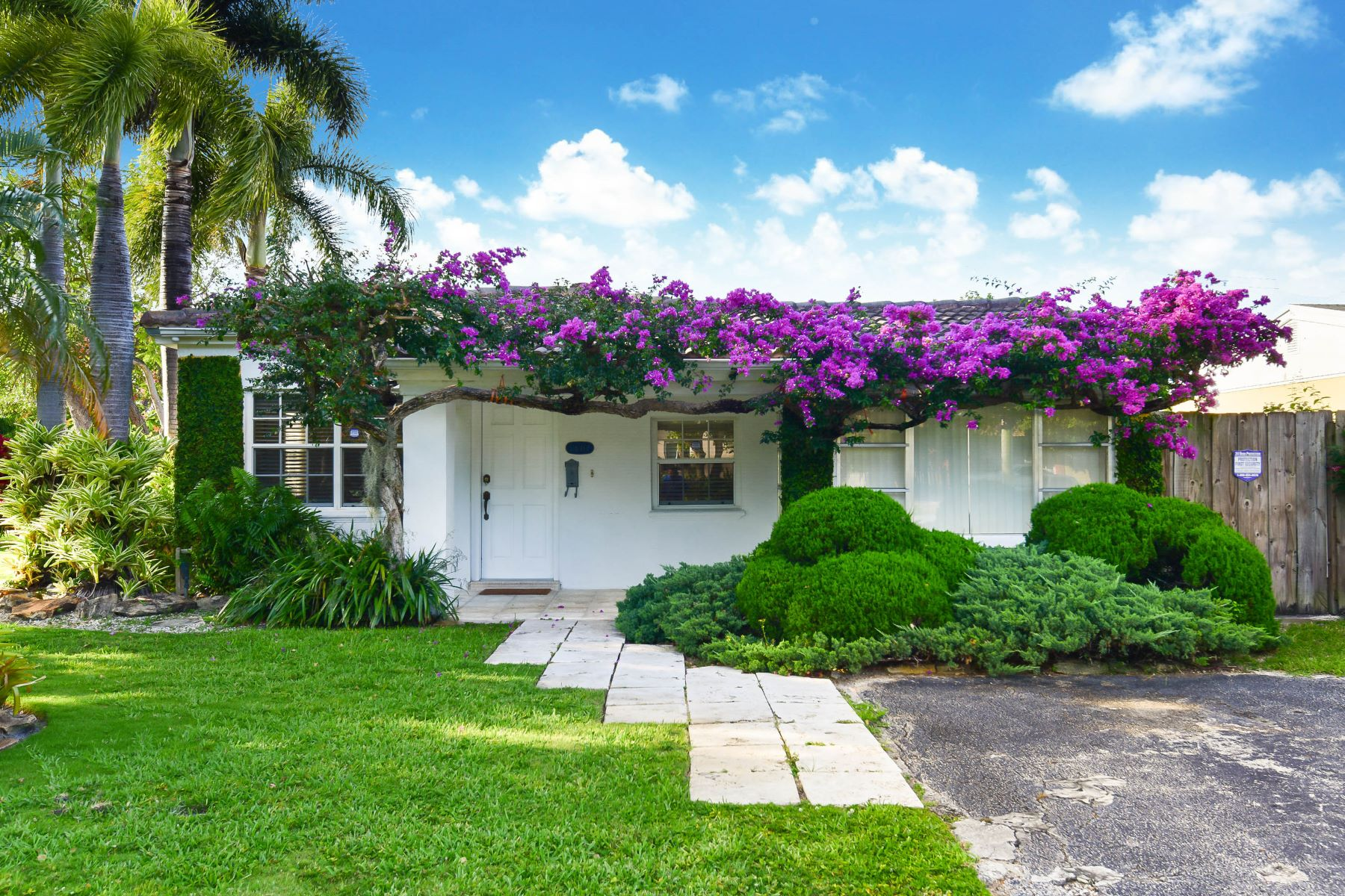 single family homes for Active at 1601 Ne 181st St North Miami Beach, Florida 33162 United States