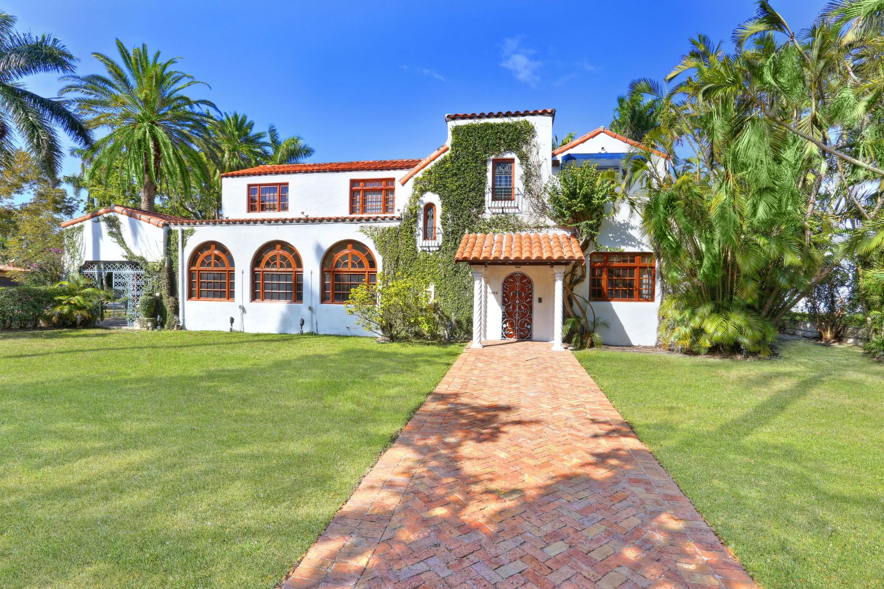 Single Family Home for Sale at 1624 Granada Blvd Coral Gables, Florida, 33134 United States