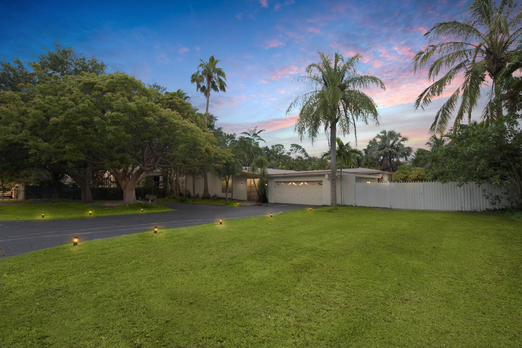 Casa para uma família para Venda às 8351 Sw 100th Street Miami, Florida, 33156 Estados Unidos