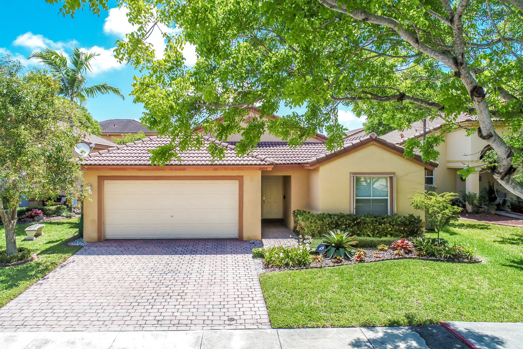 single family homes for Active at 23715 Sw 107th Pl Homestead, Florida 33032 United States