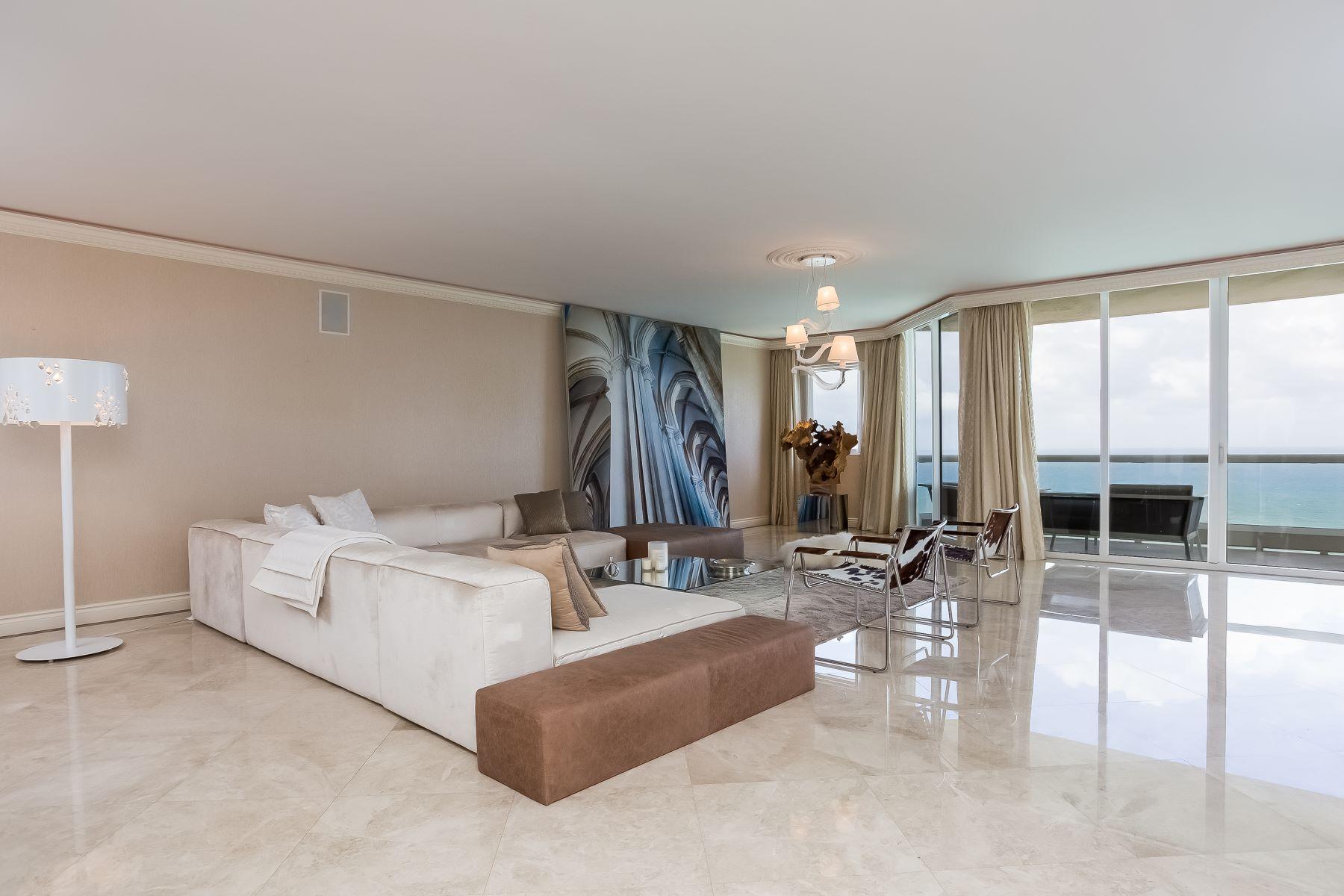 Appartement en copropriété pour l Vente à 17875 Collins Av 17875Collins Av 3703 Sunny Isles Beach, Florida, 33160 États-Unis