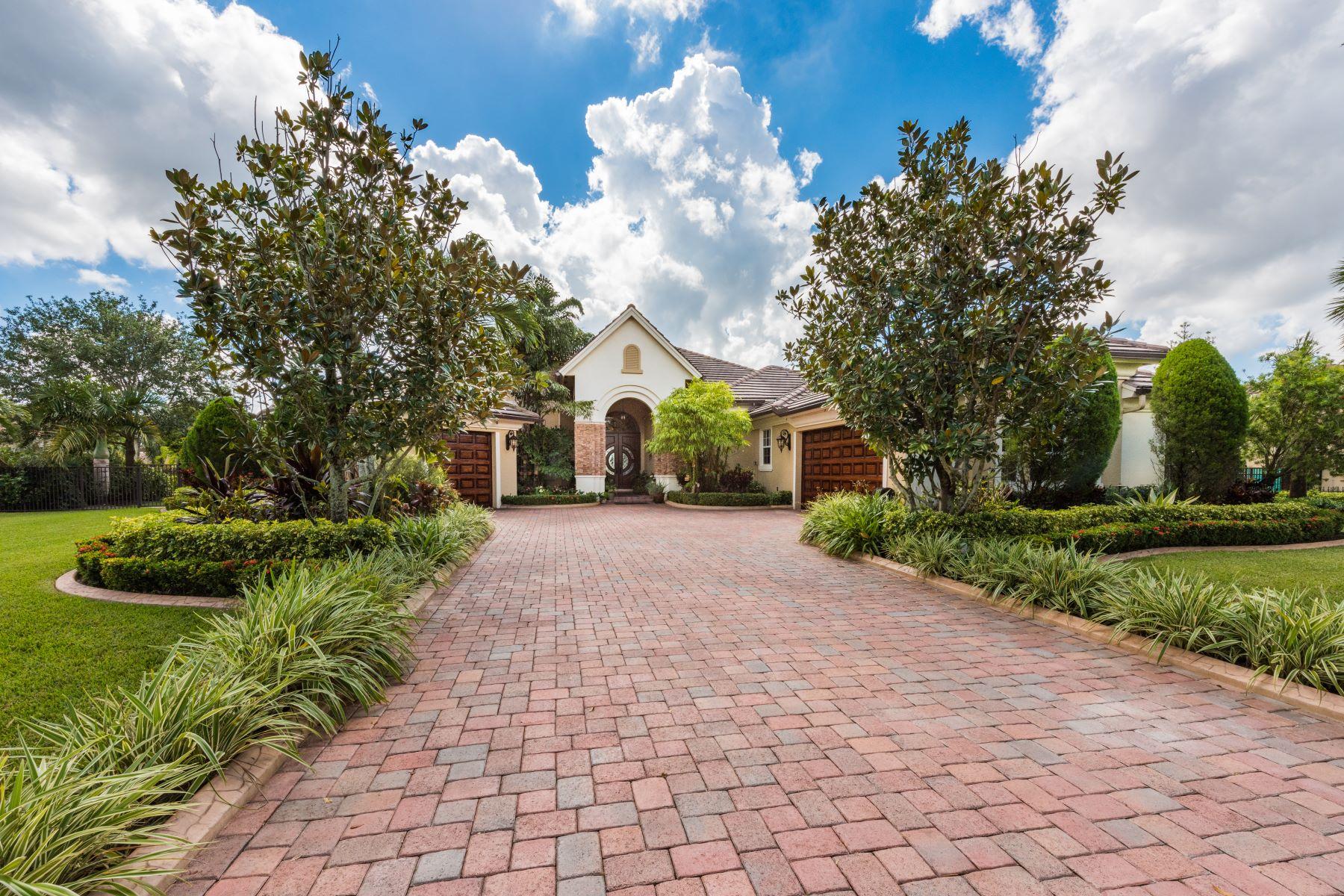 Maison unifamiliale pour l à vendre à 14410 N Jockey Cir Davie, Florida, 33330 États-Unis