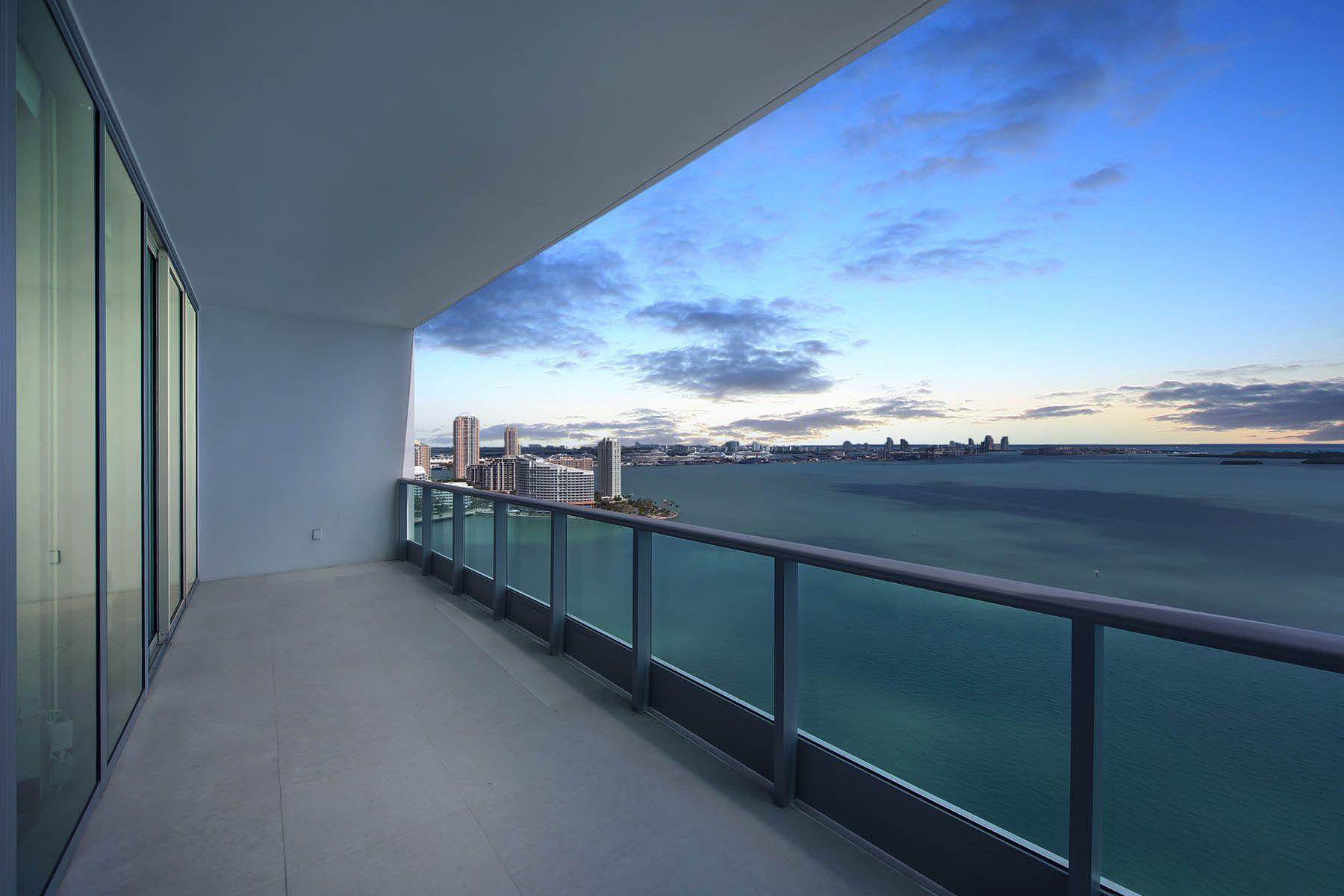 共管式独立产权公寓 为 销售 在 1331 Brickell Bay Drive 1331 Brickell Bay Drive 2905, 迈阿密, 佛罗里达州, 33131 美国