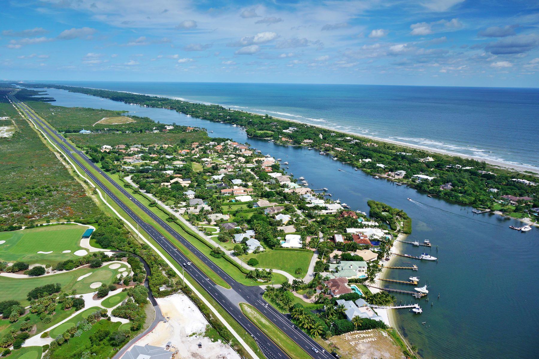 Single Family Homes için Satış at Tequesta, Florida 33469 Amerika Birleşik Devletleri
