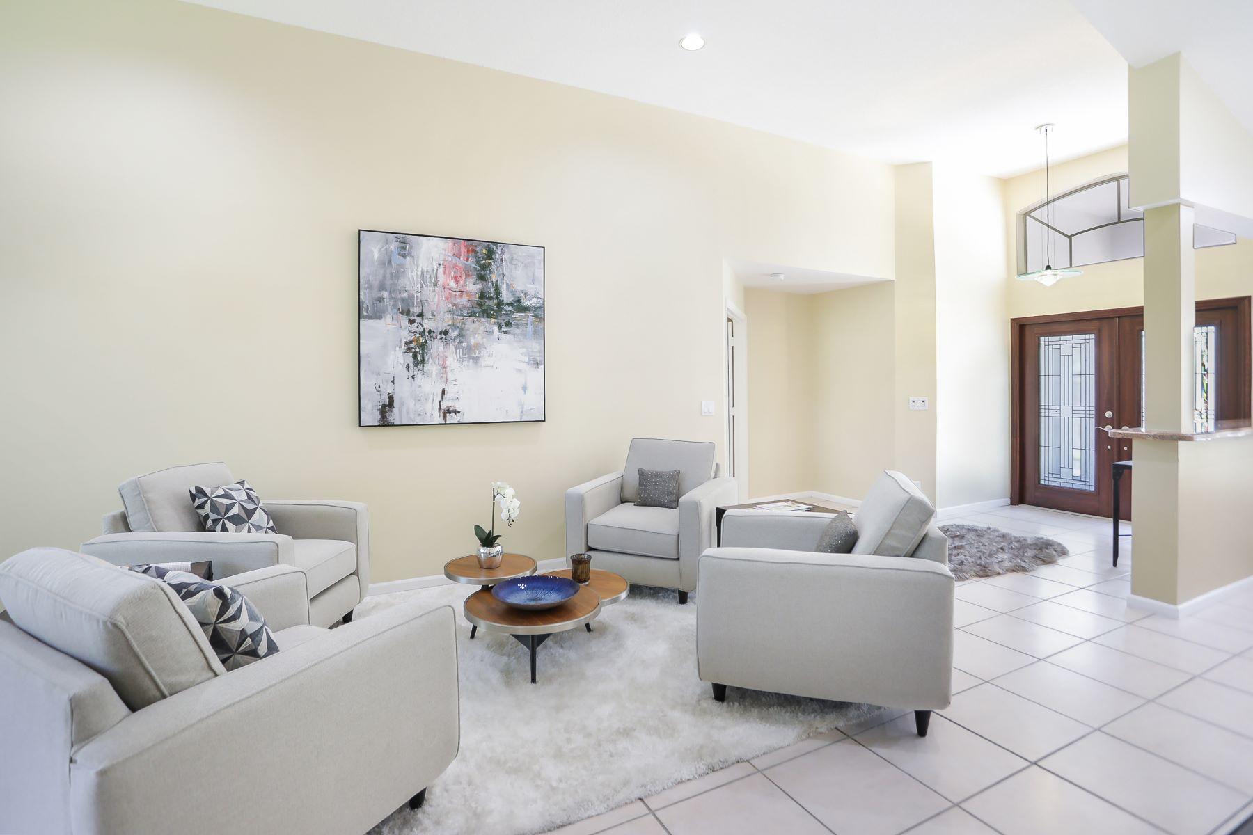 Single Family Homes für Verkauf beim Weston, Florida 33332 Vereinigte Staaten