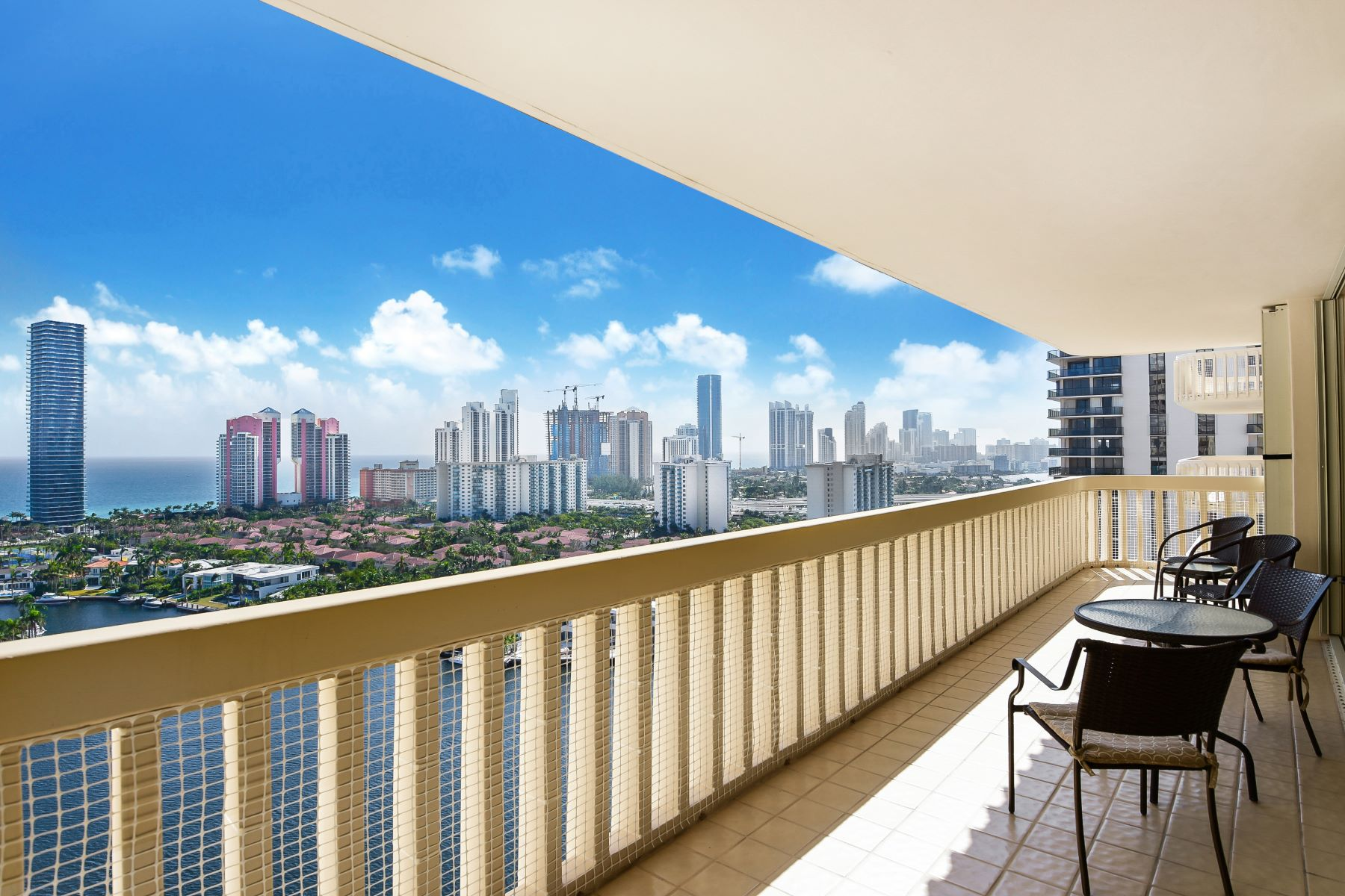 Condominium for Sale at 19707 Turnberry Way 19707 Turnberry Way 22F, Aventura, Florida, 33180 United States