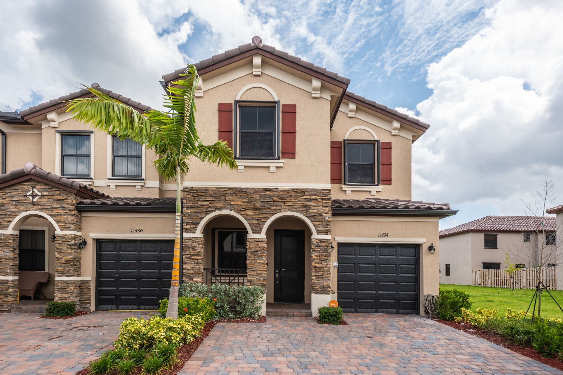 Maison en rangée pour l Vente à 11434 Sw 252nd Ter 11434 Sw 252nd Ter Homestead, Florida 33032 États-Unis