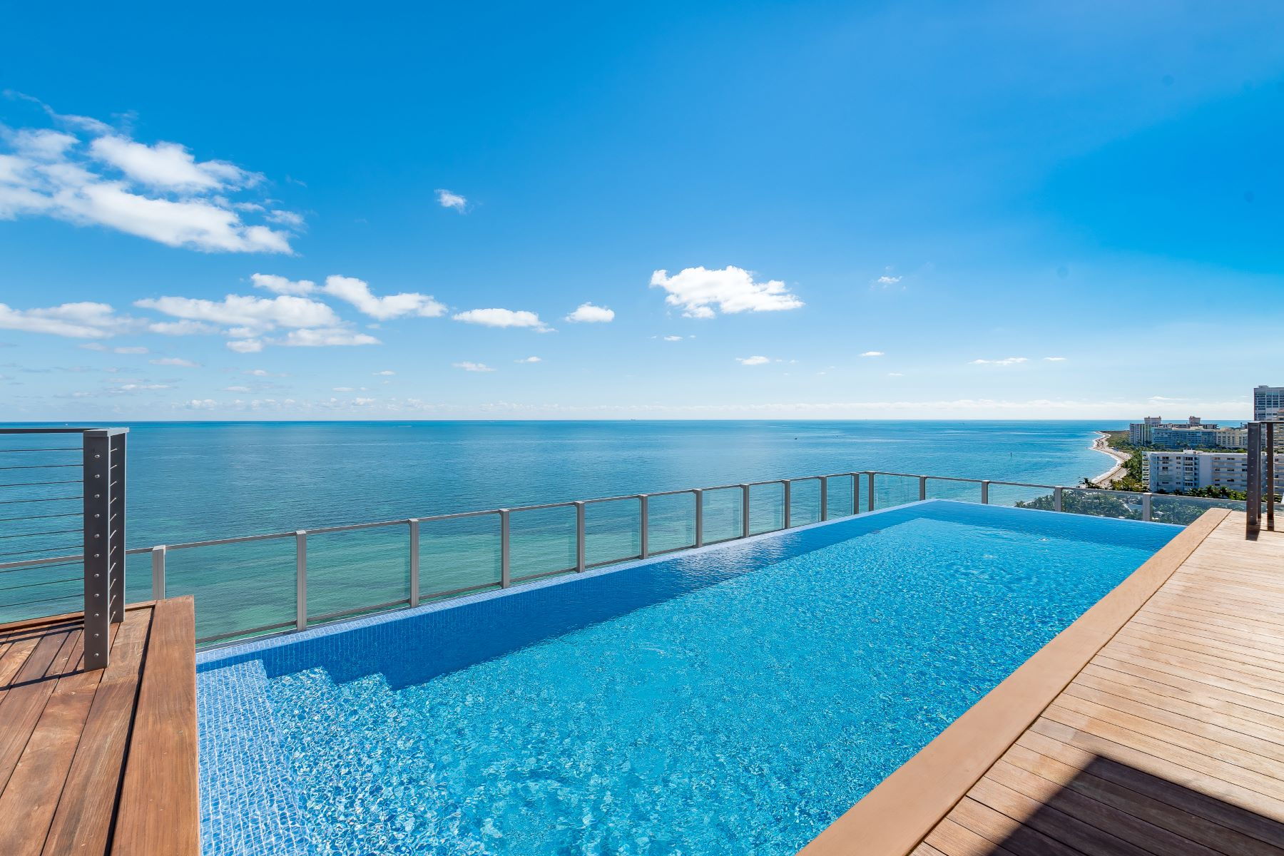 Condominium for Sale at 360 Ocean Dr 360 Ocean Dr PH1S Key Biscayne, Florida 33149 United States