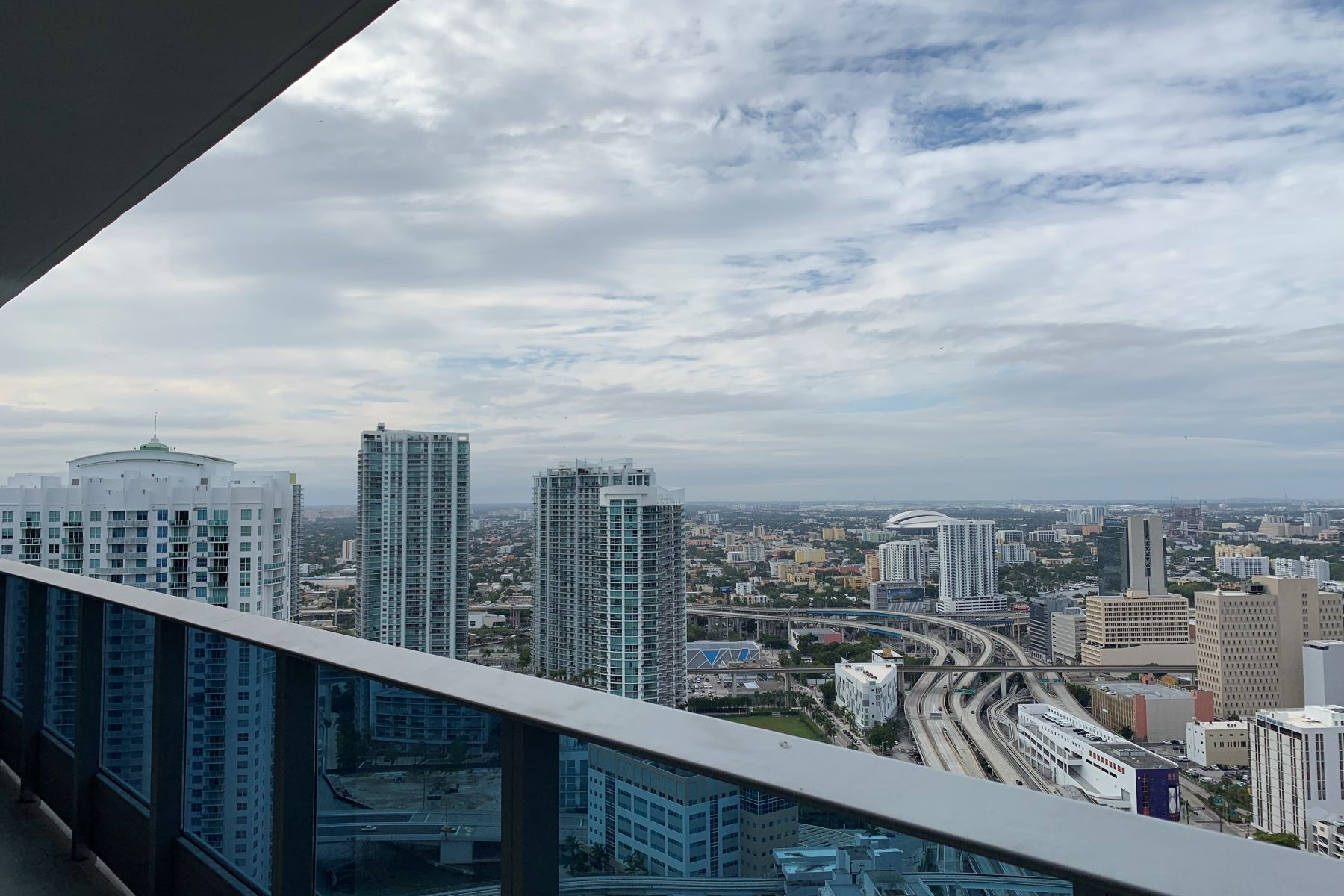 Additional photo for property listing at 200 Biscayne Blvd Way 200 Biscayne Blvd Way 4212 Miami, Florida 33131 United States
