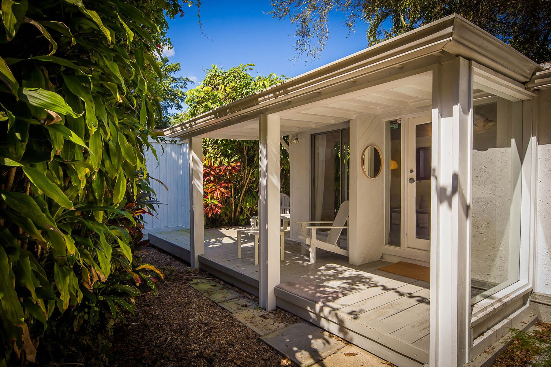 واحد منزل الأسرة للـ Sale في 3741 Kumquat Avenue 3741 Kumquat Avenue Coconut Grove, Florida 33133 United States