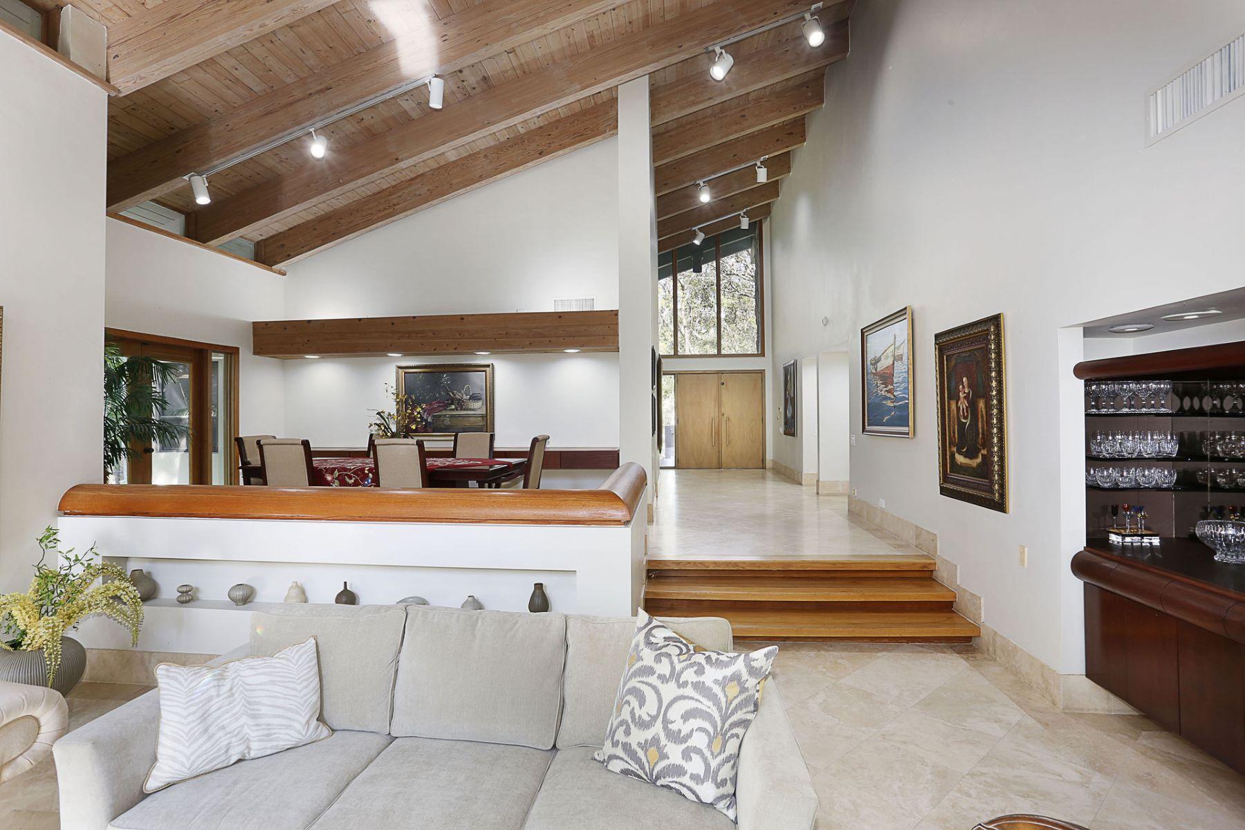 sales property at 5500 Oakwood Ln