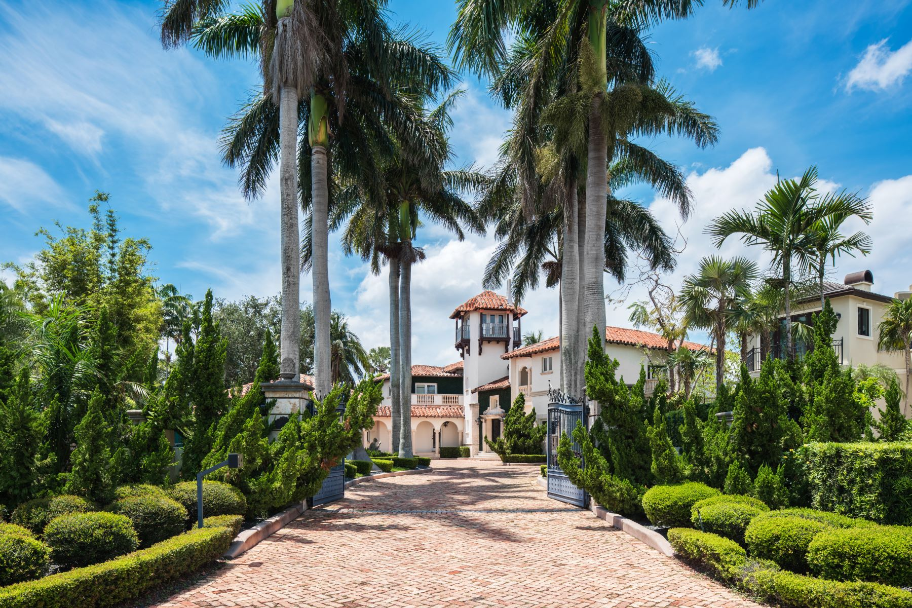 single family homes for Active at 282 Carabela Ct Coral Gables, Florida 33143 United States