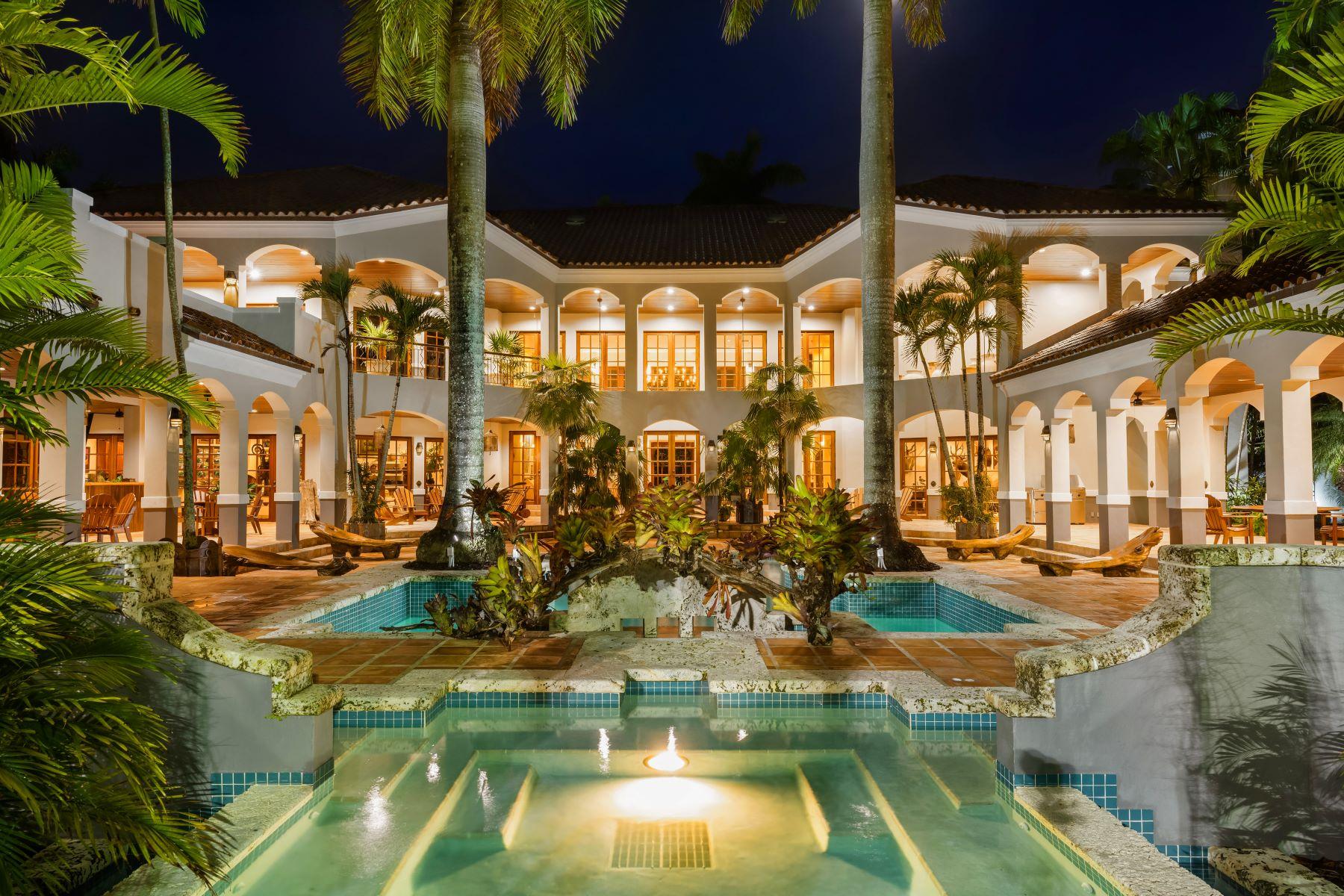 Single Family Homes por un Venta en 24965 Sw 162nd Ave Miami, Florida 33031 Estados Unidos