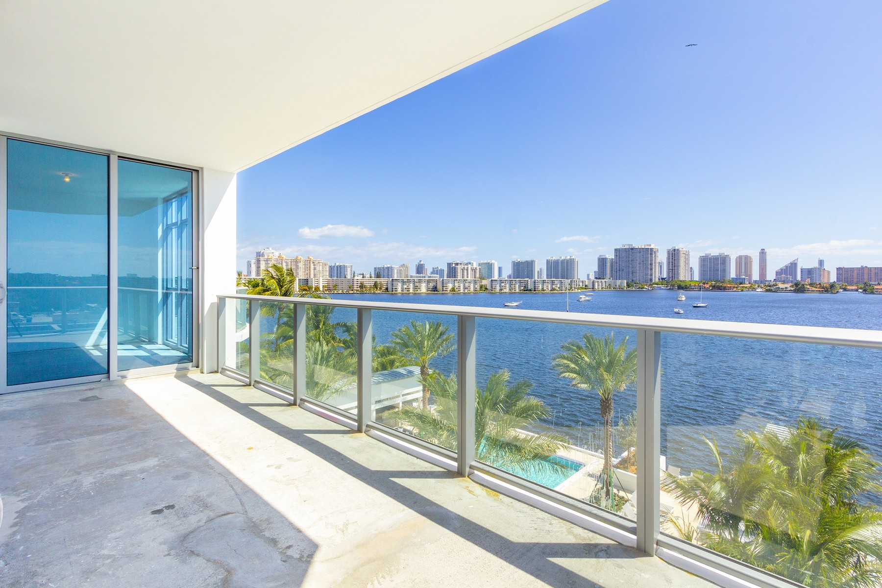 Condominiums for Sale at 17301 Biscayne Blvd #409 17301 Biscayne Blvd 409, Aventura, Florida 33160 United States