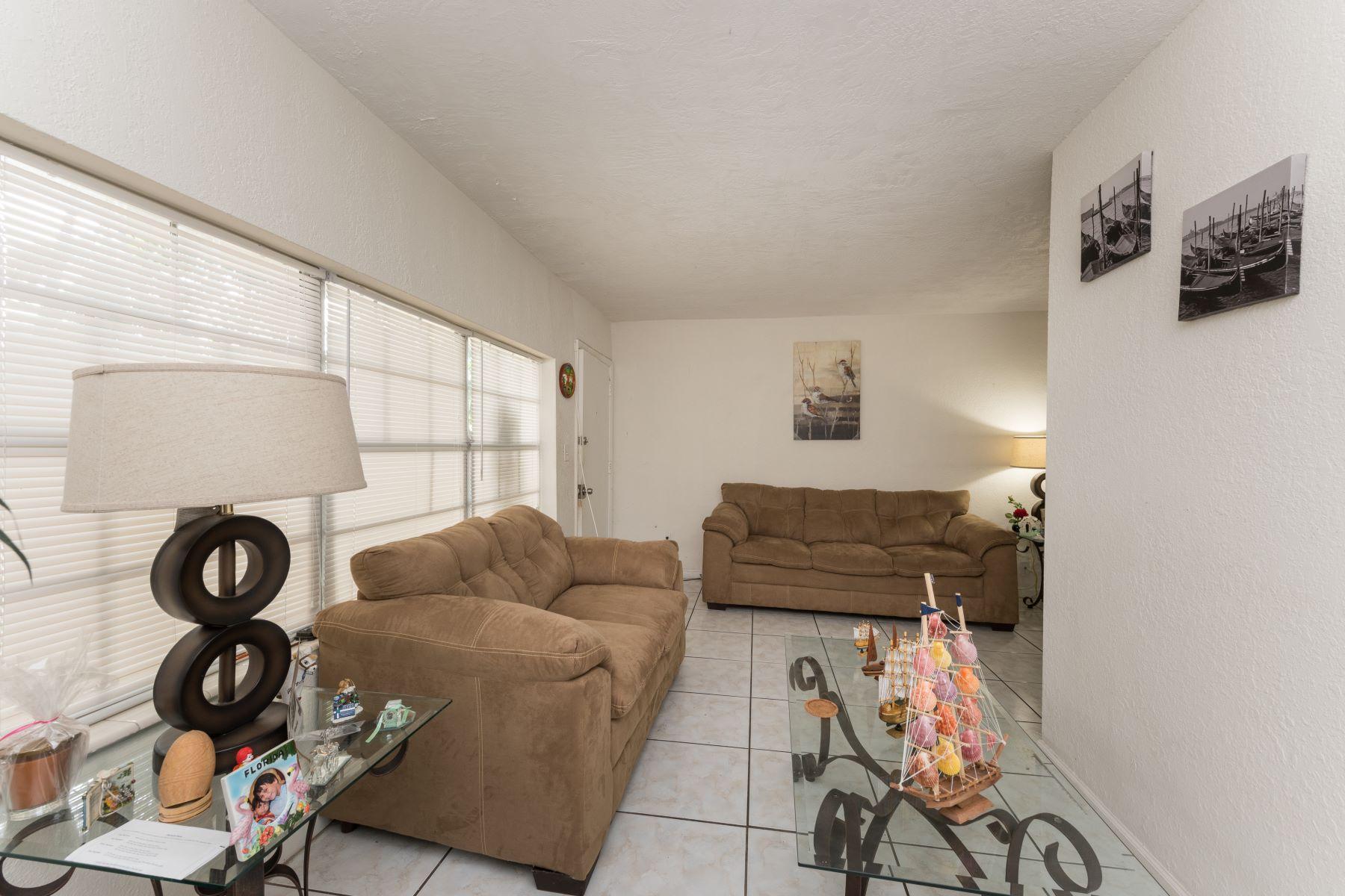 Appartement en copropriété pour l à louer à 1855 Ne 121st St 1855 Ne 121st St 7 North Miami, Florida 33181 États-Unis