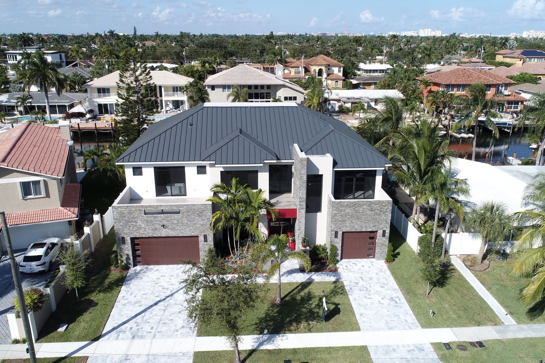 single family homes for Active at 2601 Ne 48th St Lighthouse Point, Florida 33064 United States