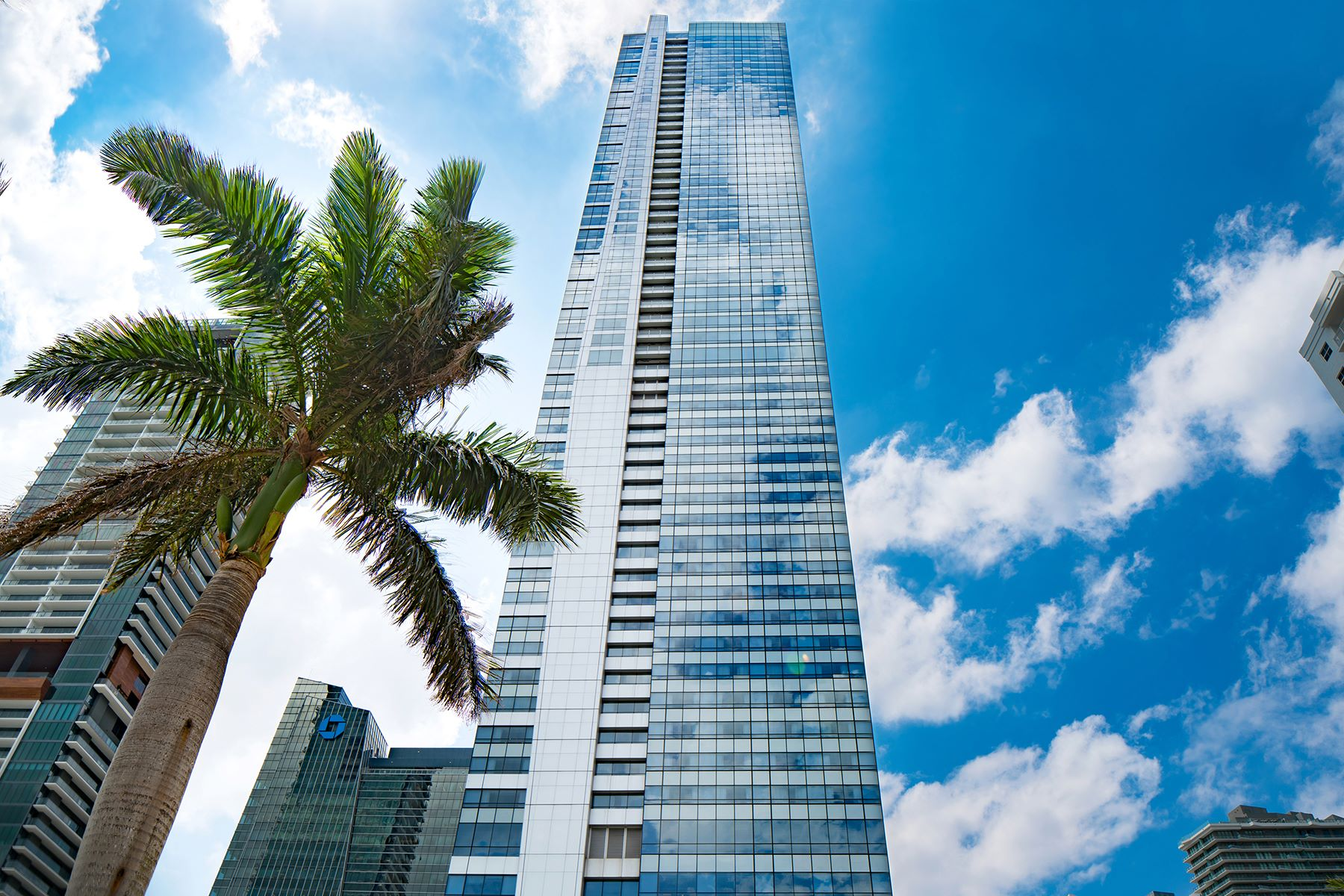 Condominium for Sale at 1425 Brickell Avenue 1425 Brickell Avenue 52EF Miami, Florida 33131 United States