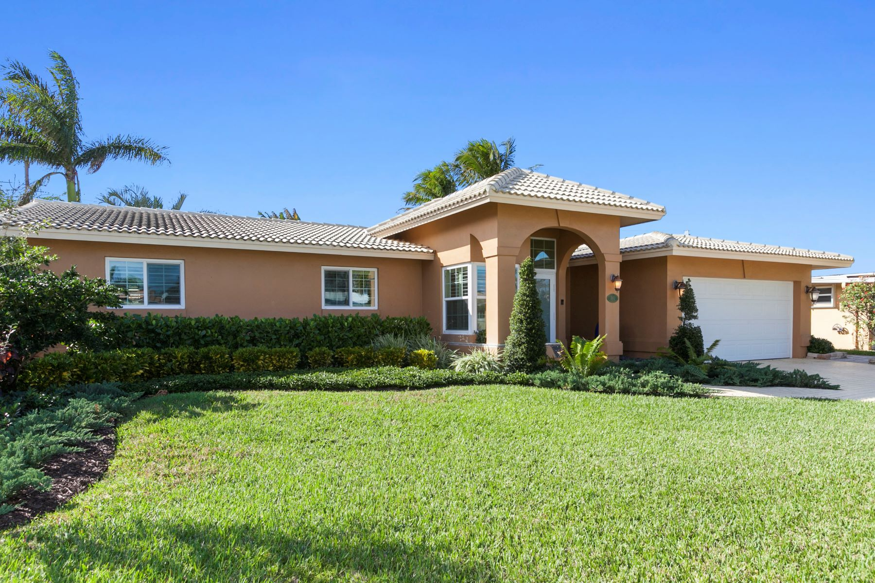 Single Family Home for Sale at 5811 Ne 20th Ter Fort Lauderdale, Florida, 33308 United States