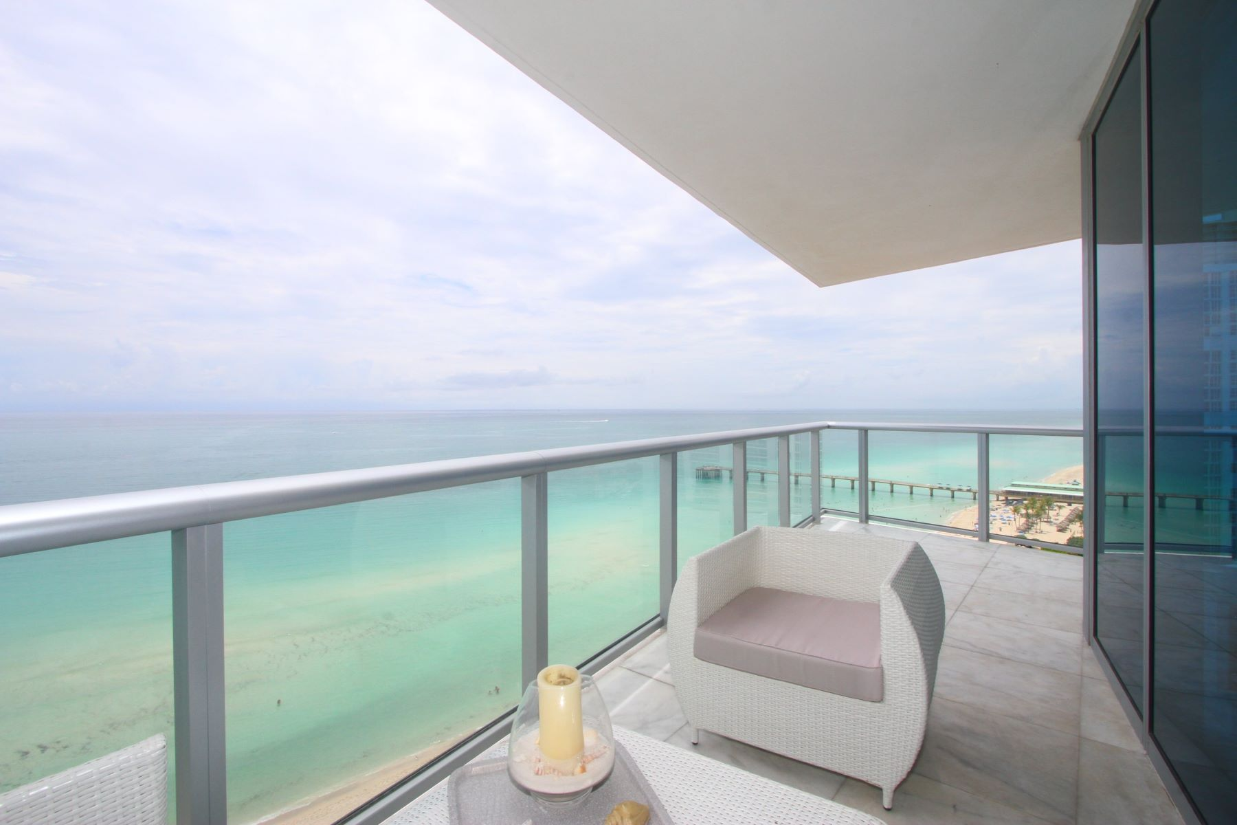 شقة بعمارة للـ Rent في Sunny Isles Beach Residential Rental Sunny Isles Beach, Florida 33160 United States