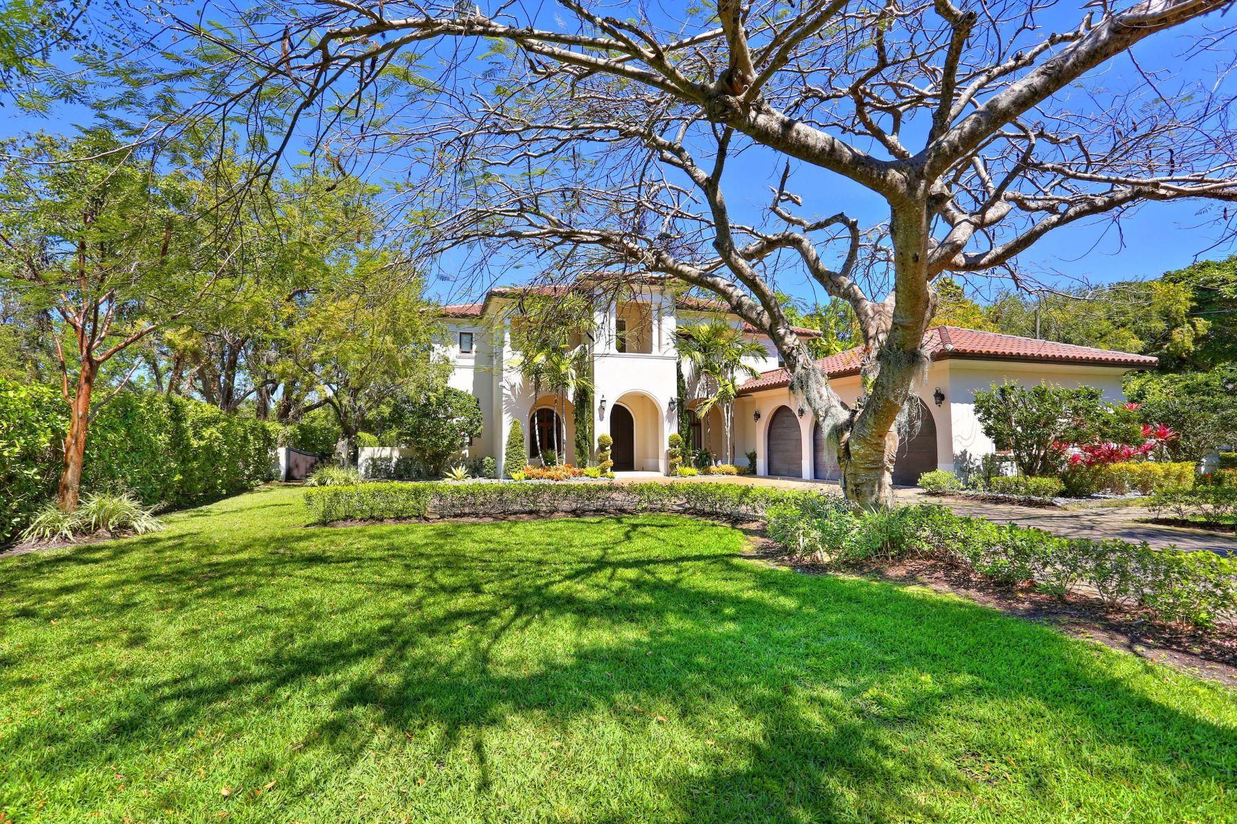 واحد منزل الأسرة للـ Sale في 6885 Sw 92nd St 6885 Sw 92nd St Pinecrest, Florida 33156 United States