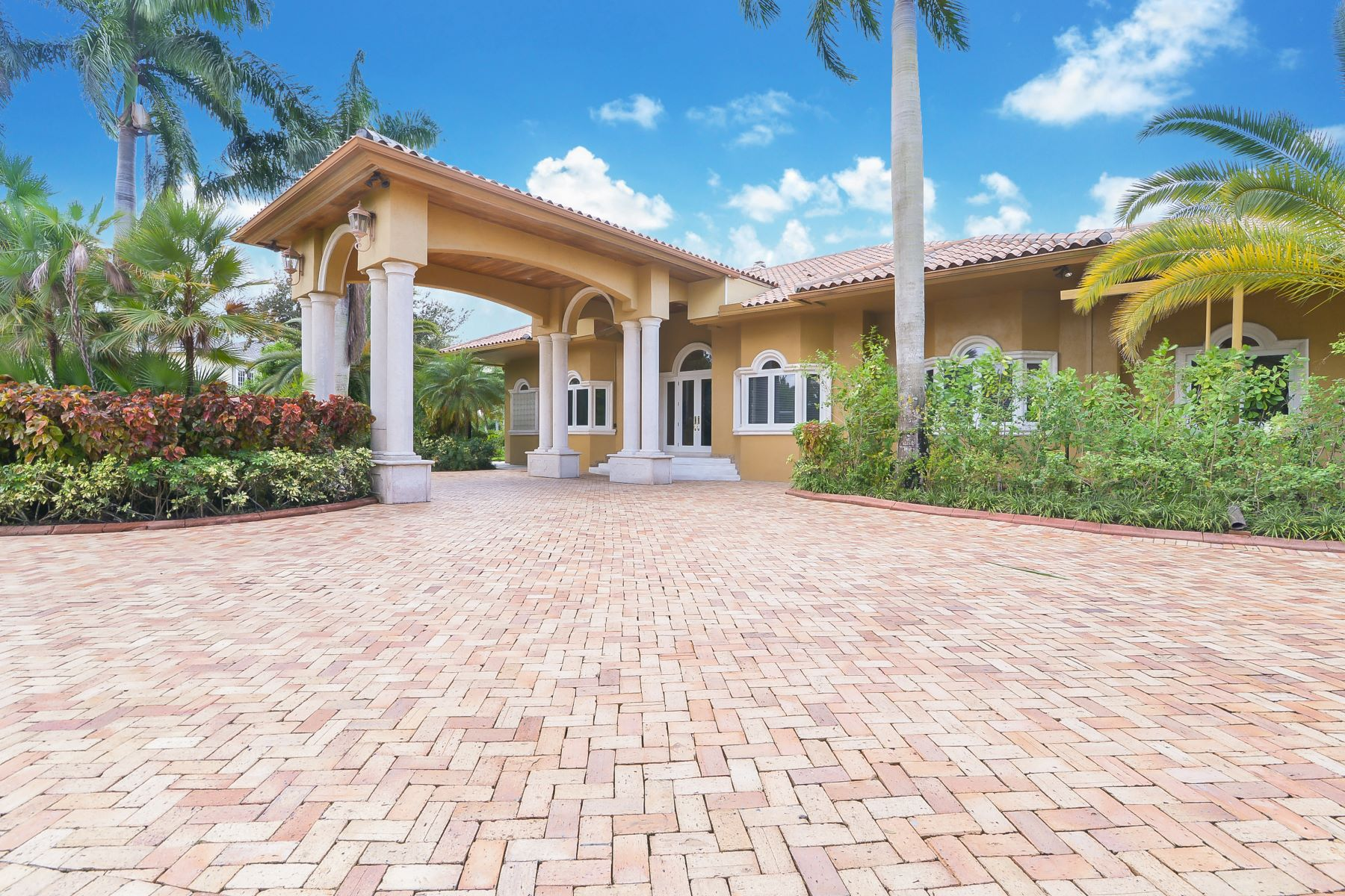 Single Family Homes for Sale at 2701 Sw 130th Ter Davie, Florida 33330 United States
