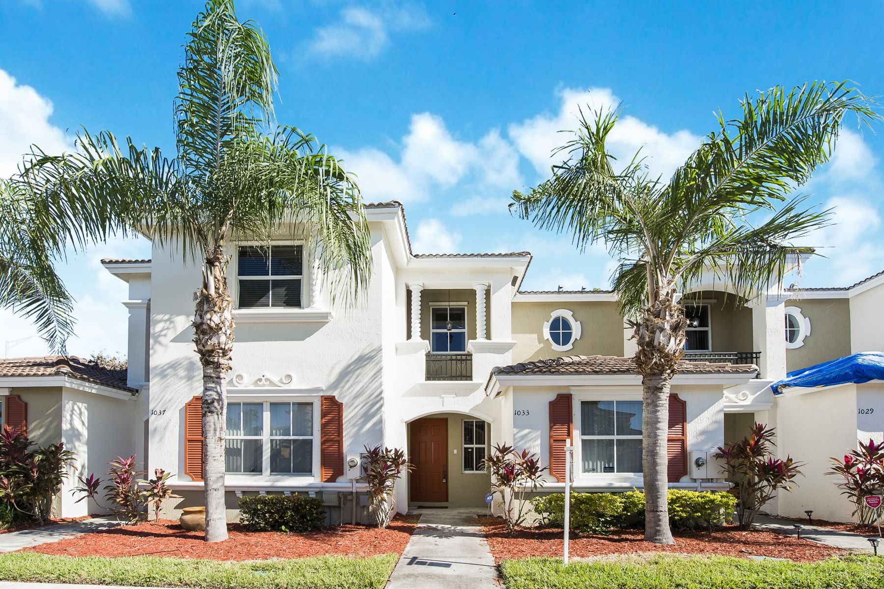 townhouses for Sale at 1033 Ne 42nd Pl Homestead, Florida 33033 United States
