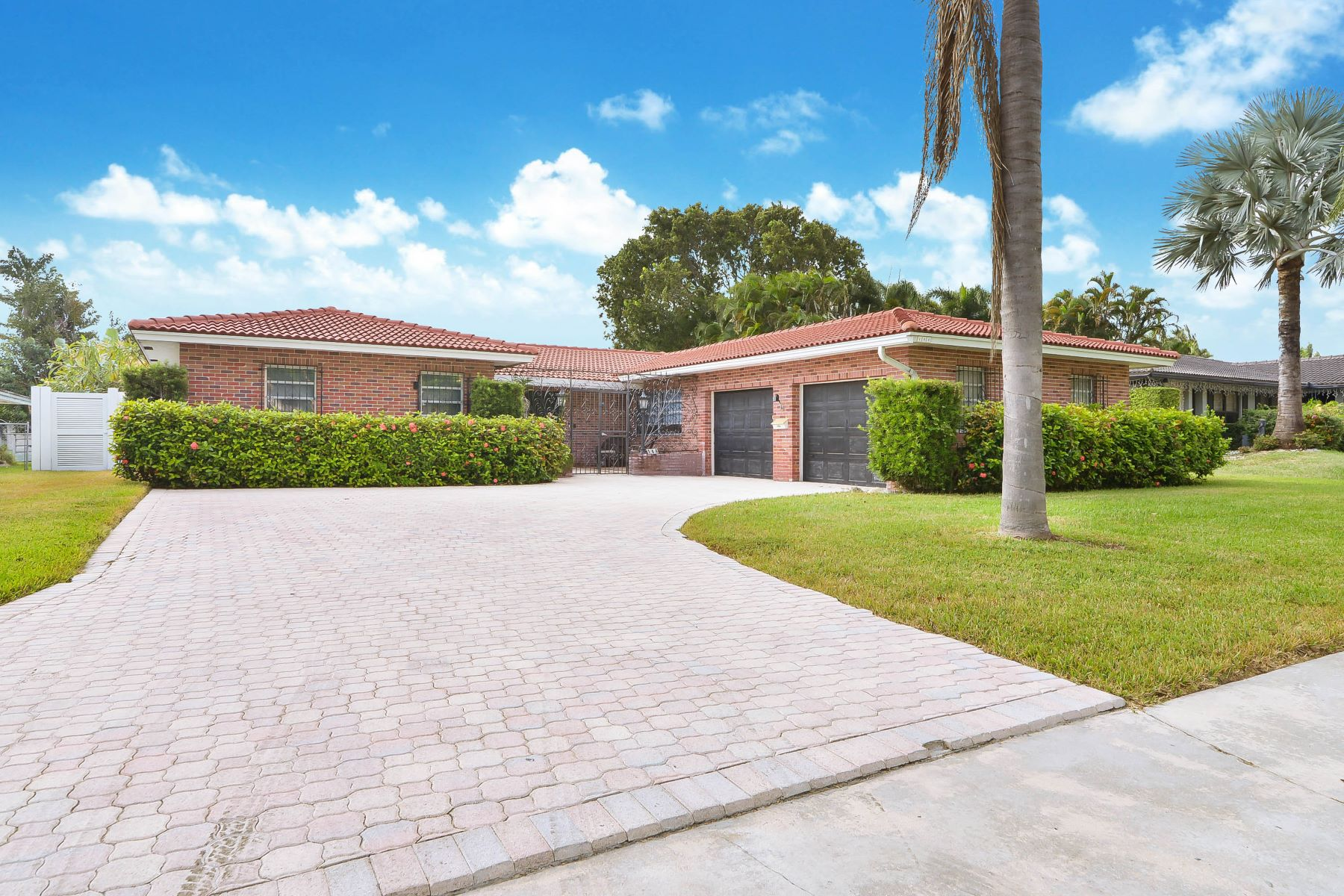 Single Family Homes for Sale at Dania Beach, Florida 33004 United States