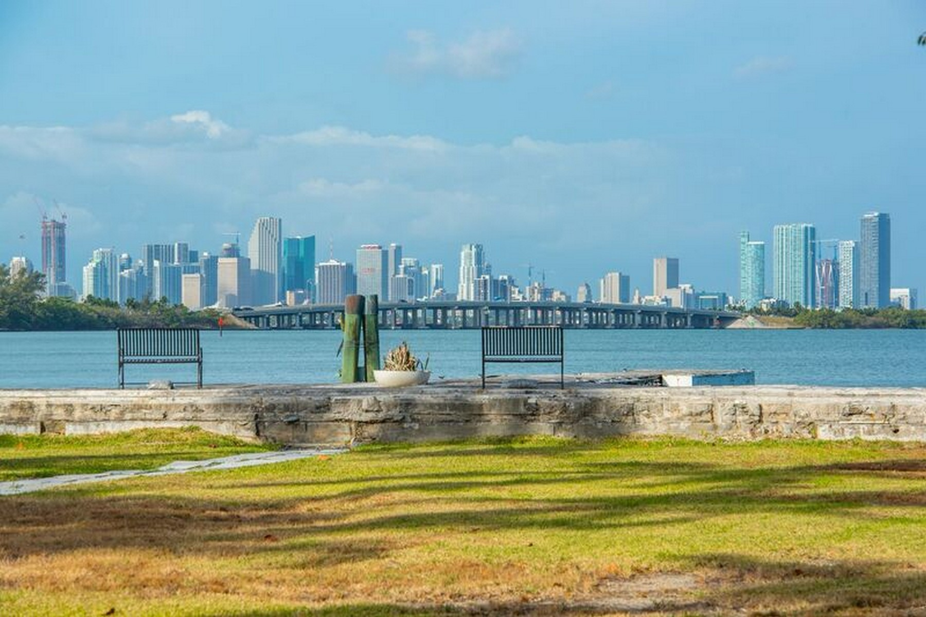 Terreno per Vendita alle ore 4462 N Bay Rd Miami Beach, Florida, 33140 Stati Uniti
