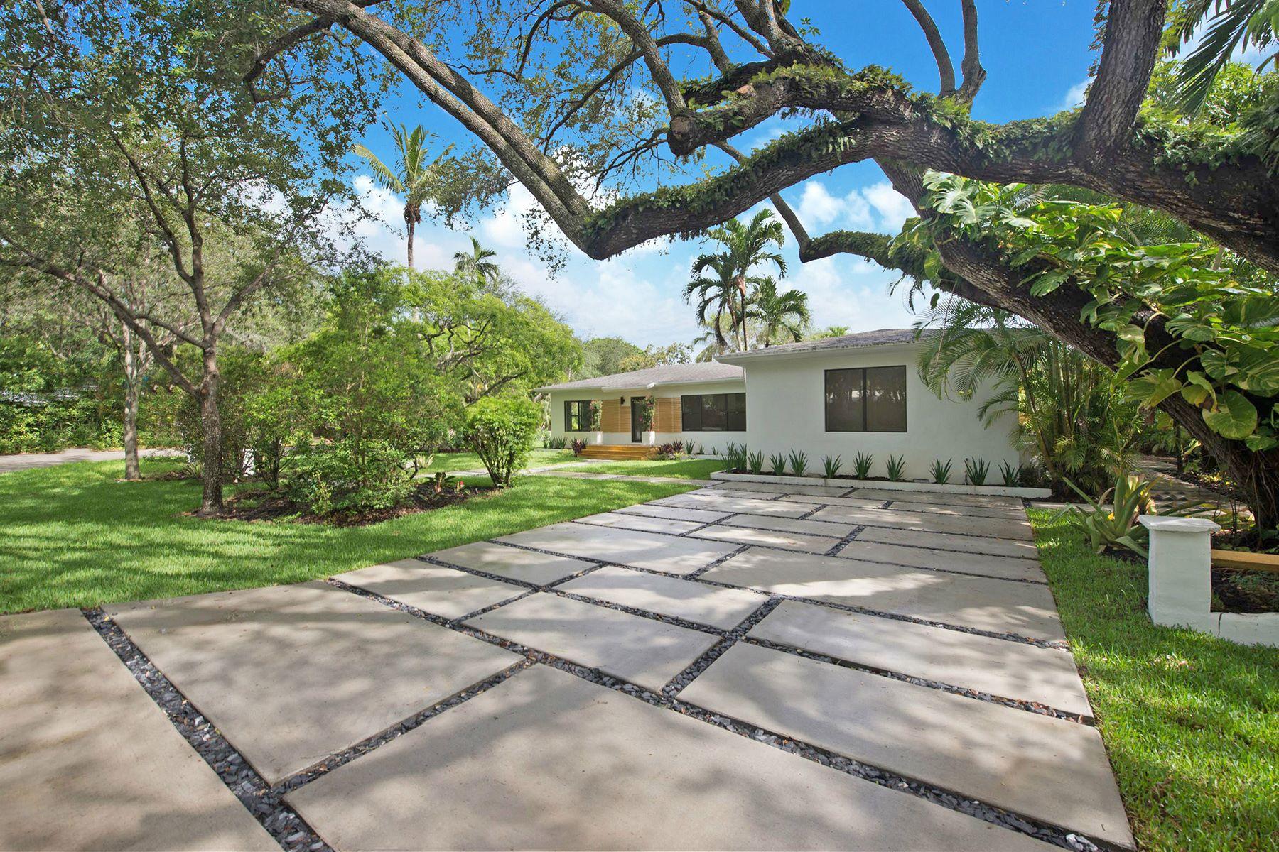 단독 가정 주택 용 매매 에 5781 Sw 81 Street South Miami, 플로리다, 33143 미국