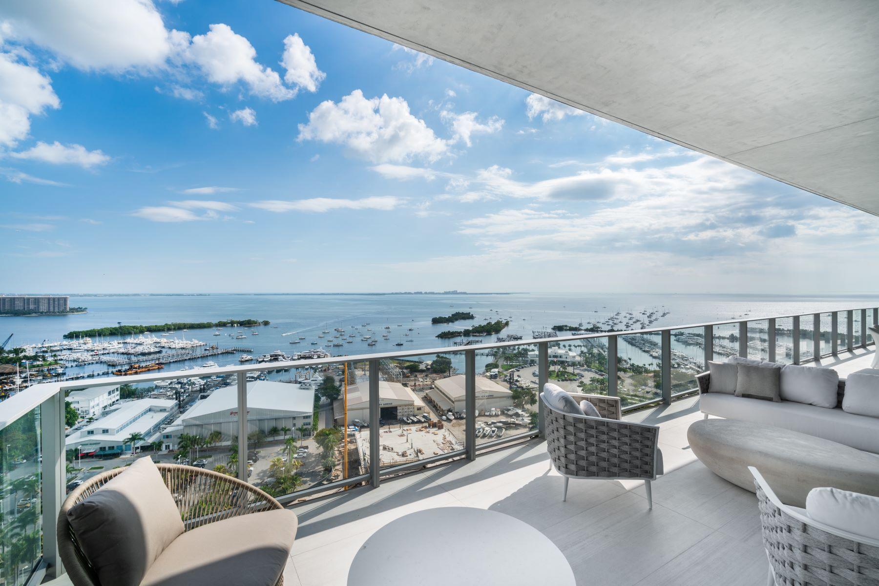 Condominiums por un Venta en 2675 S Bayshore Dr 1901S Miami, Florida 33133 Estados Unidos