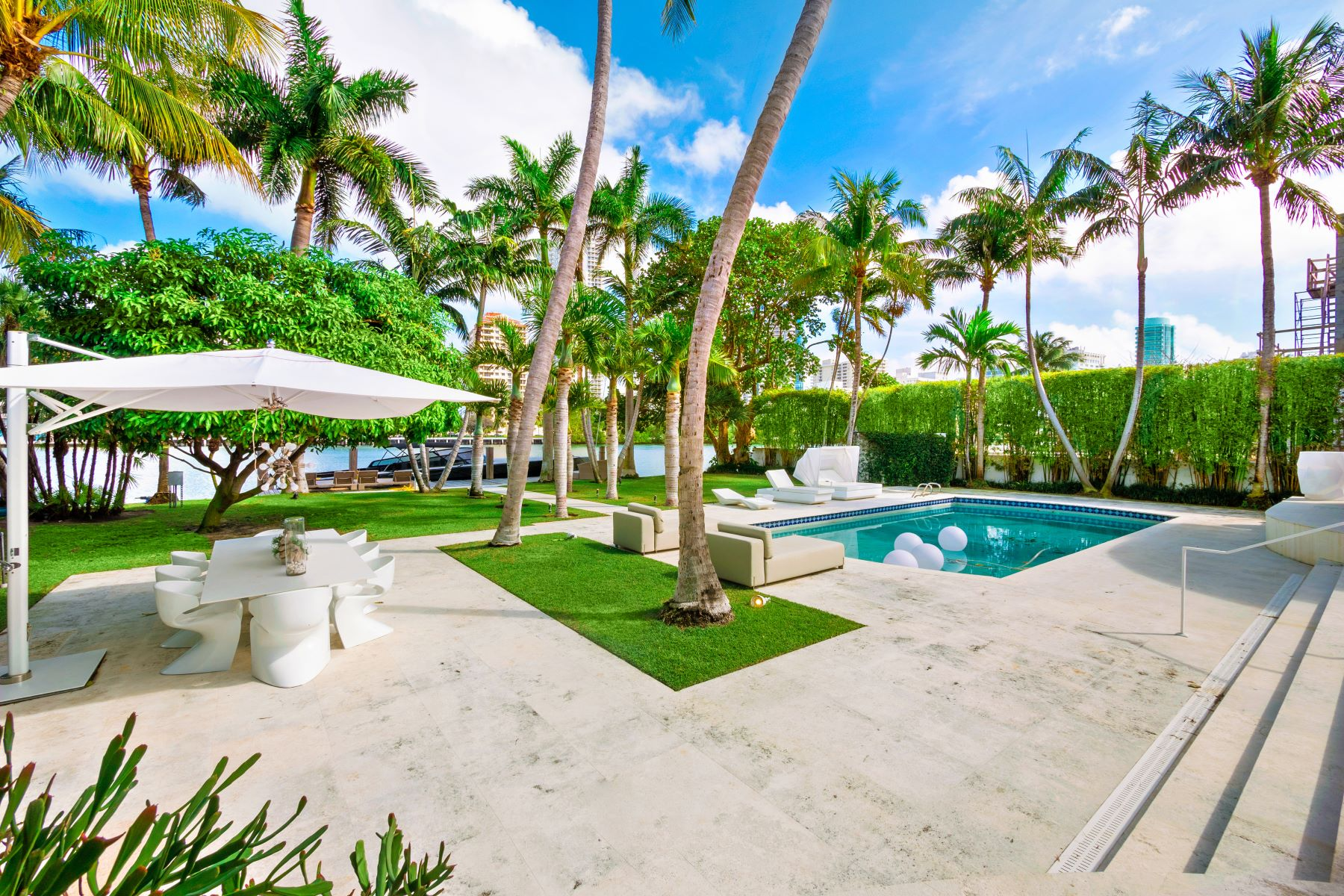 Single Family Homes for Active at 6455 Allison Rd Miami Beach, Florida 33141 United States